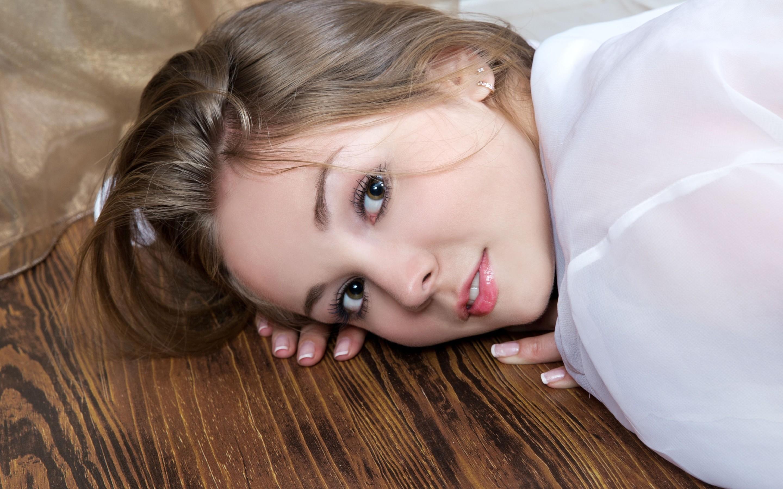 jeff milton photo graphy Wallpaper : face, women, model, brunette, dress, lying down ...