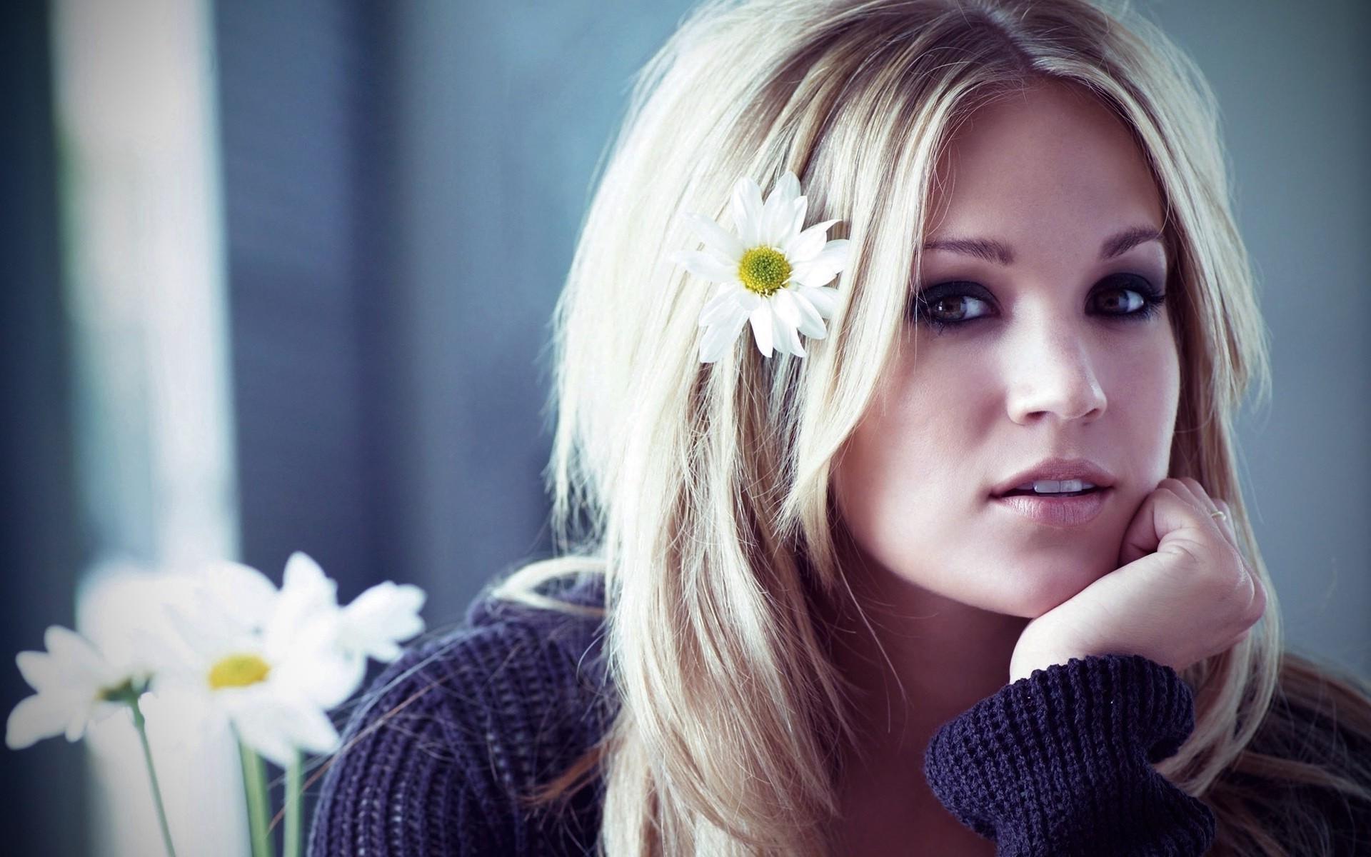 Картинки красивой девушки блондинки на аву