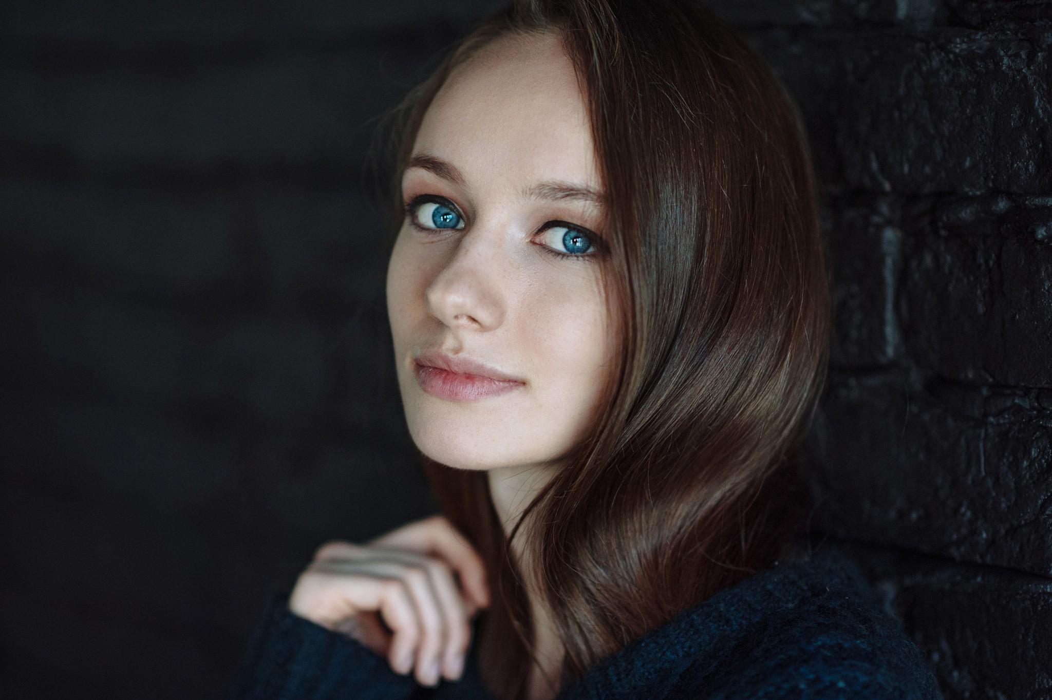 Wallpaper : face, women, model, depth of field, long hair