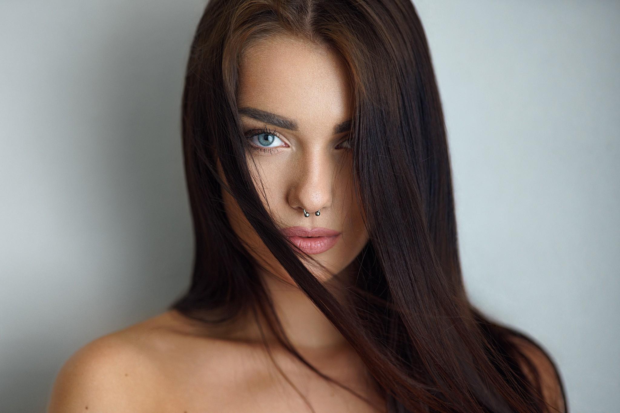 Wallpaper Face Women Model Nose Rings Long Hair: Wallpaper : Women, Simple Background, Long Hair, Blue Eyes