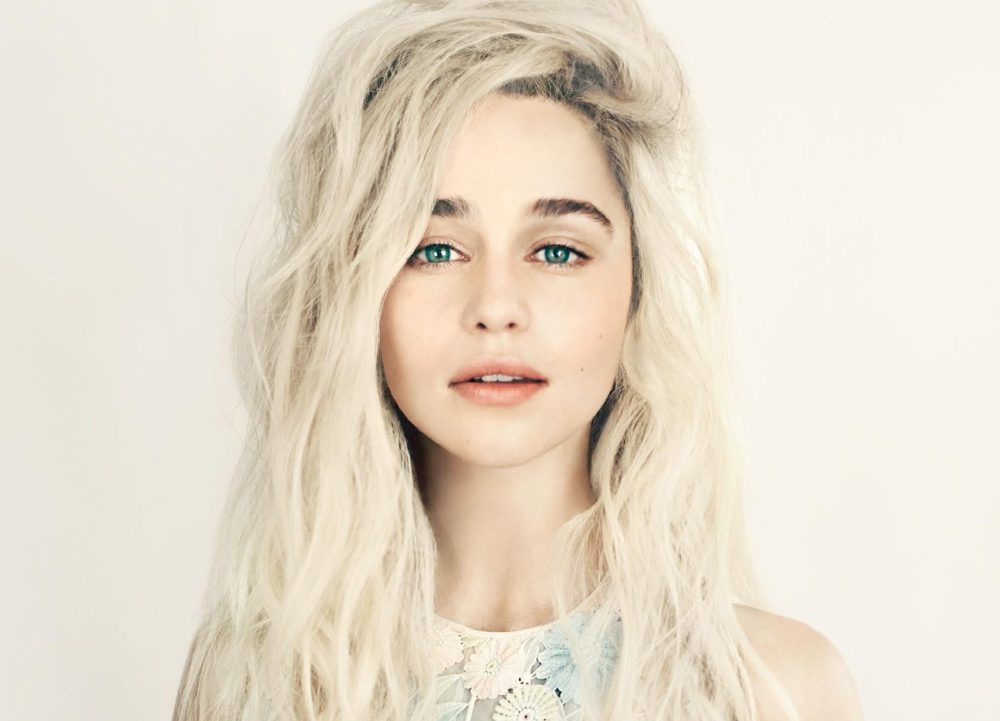 Women Blonde Blue Eyes Long Hair Wavy Hair Portrait: Wallpaper : Face, Women, Model, Simple Background, Long