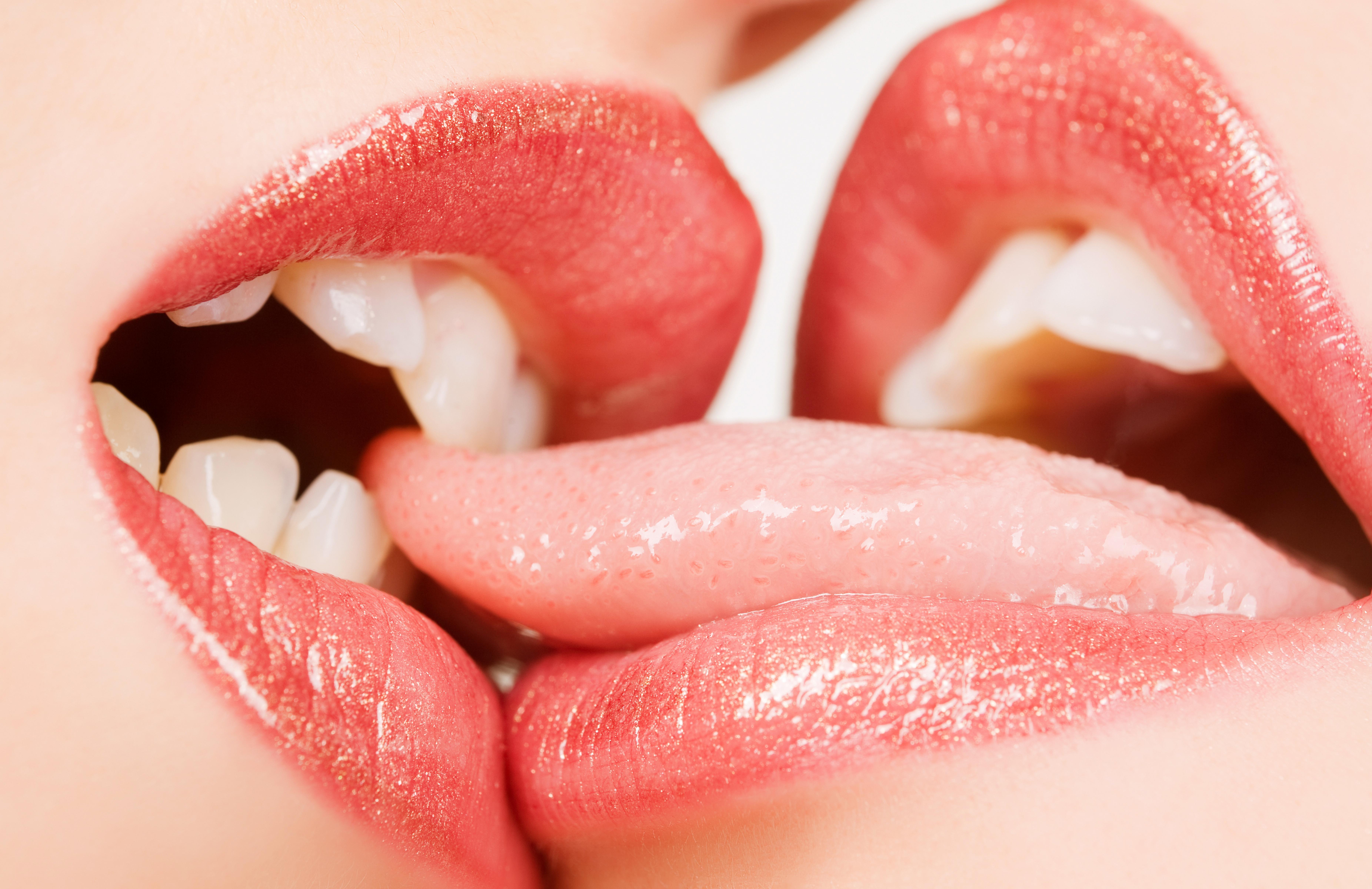 3 Lesbians Tongue Kissing wallpaper : face, women, model, red, lipstick, lips, kissing