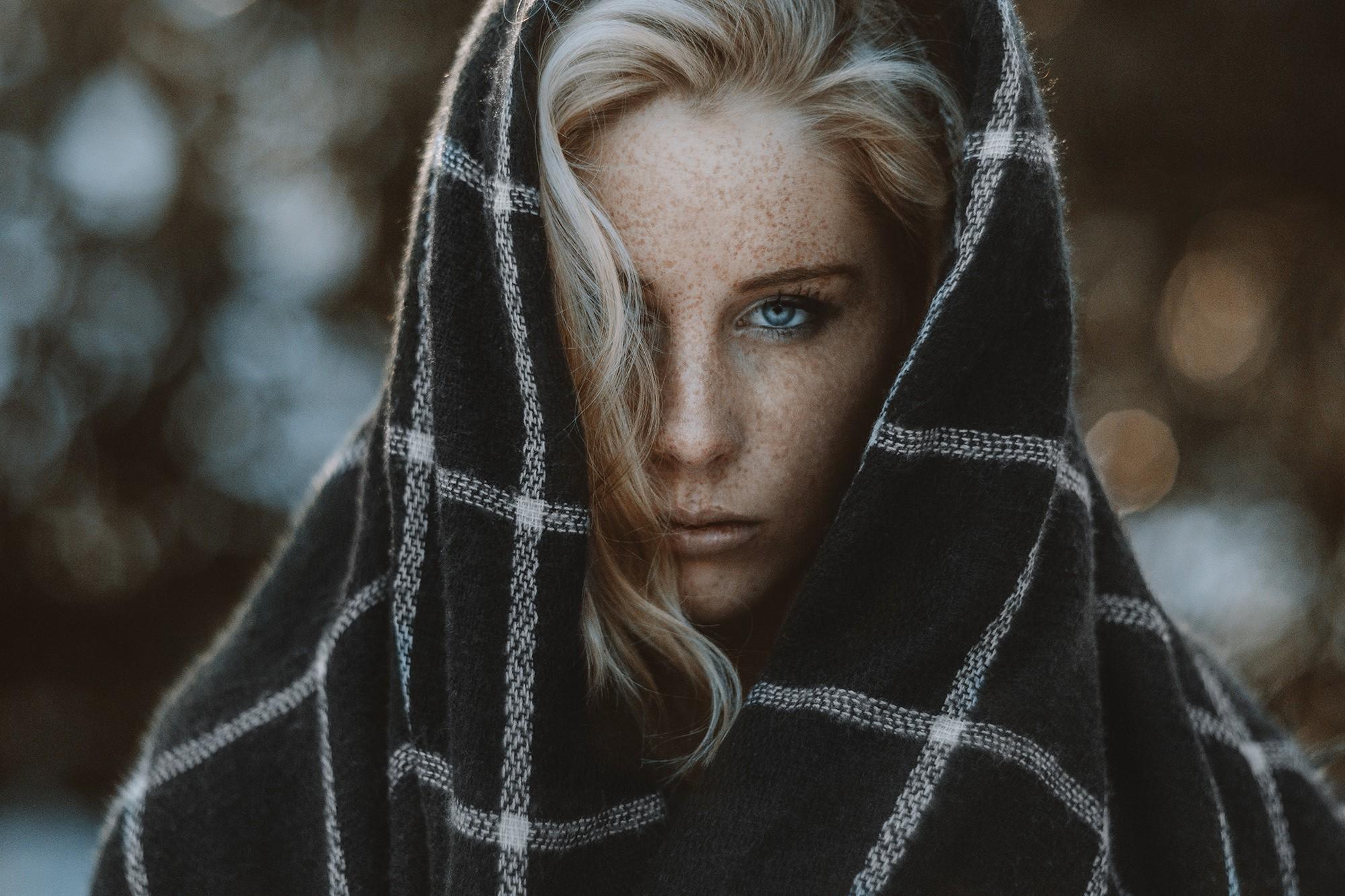 Wallpaper Face Women Model Long Hair Blue Eyes: Wallpaper : Women Outdoors, Model, Portrait, Blonde, Long
