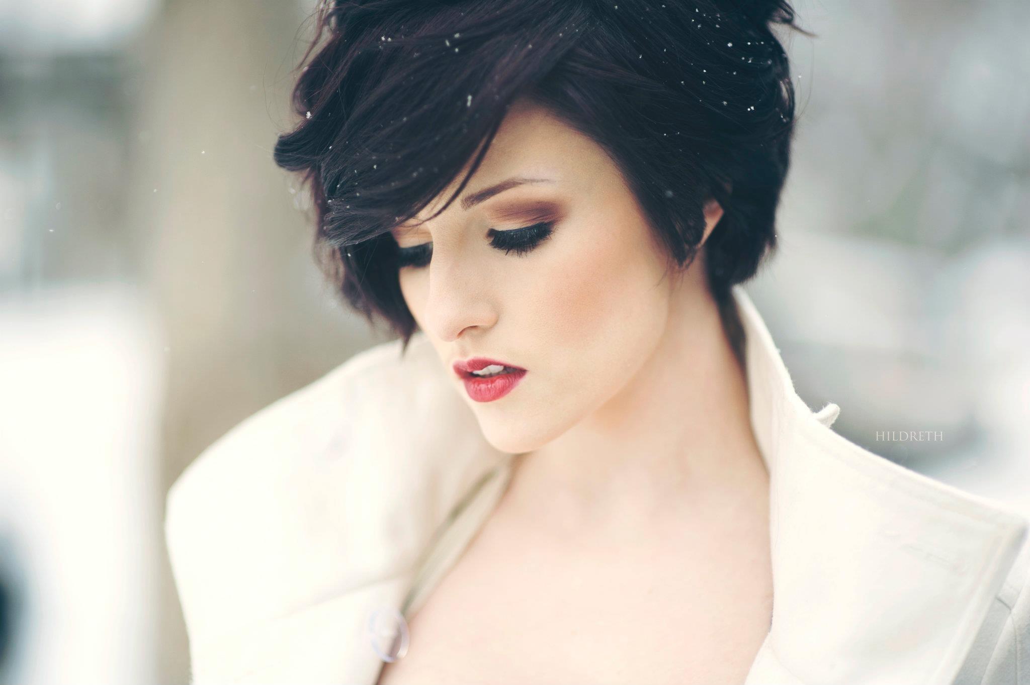 Красивые девушек брюнеток с короткими волосами на аву