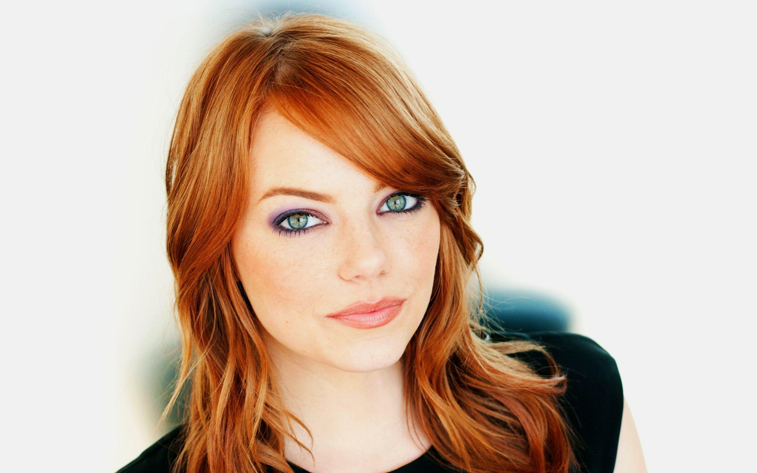 Стрижка и цвет волос для серых глаз и светлой кожи фото
