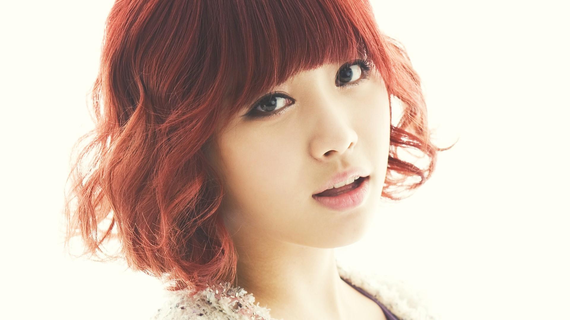 Корейцы с рыжими волосами