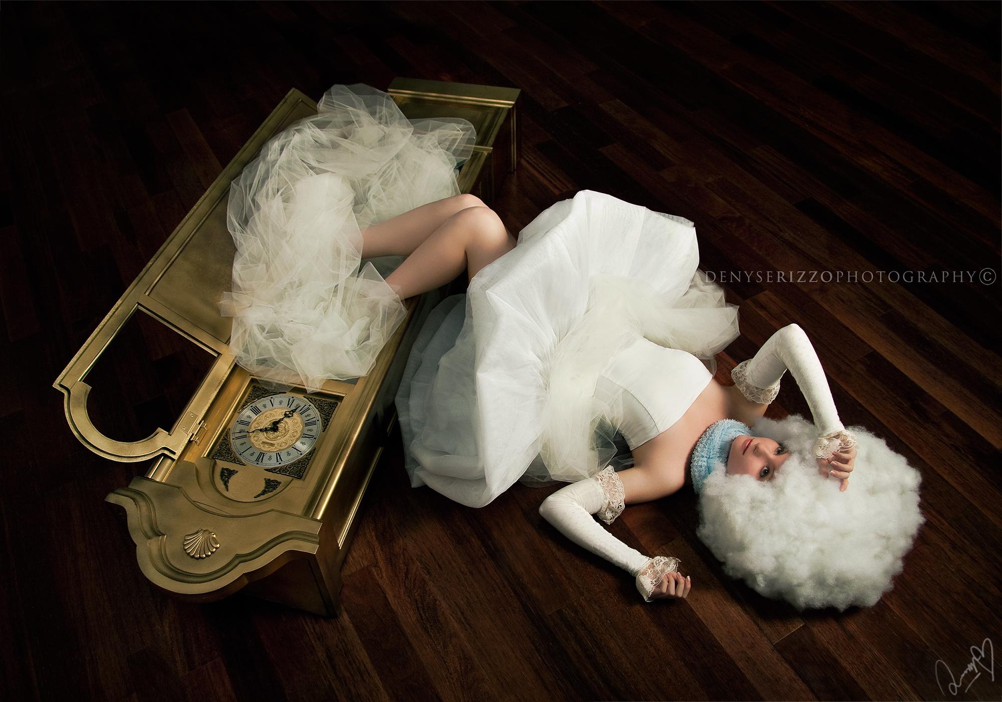 Hintergrundbilder : fallen, Weiß, Fotografie, Kleid, surreal, Mode ...