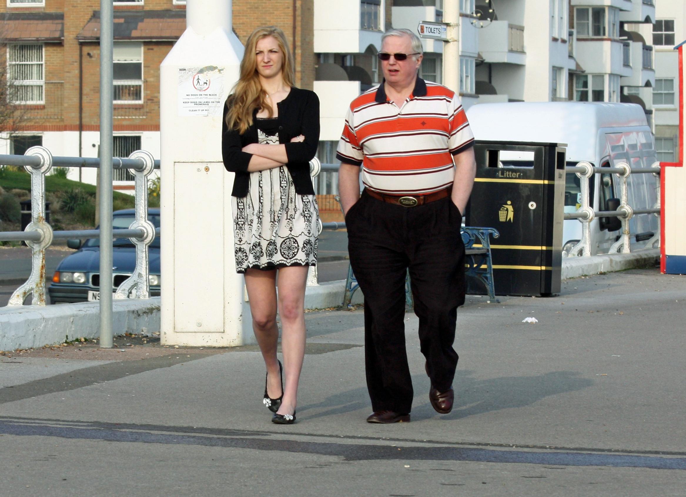 best sneakers 80831 e66bc Hintergrundbilder : Familie, braun, schön, Sonnenbrille ...