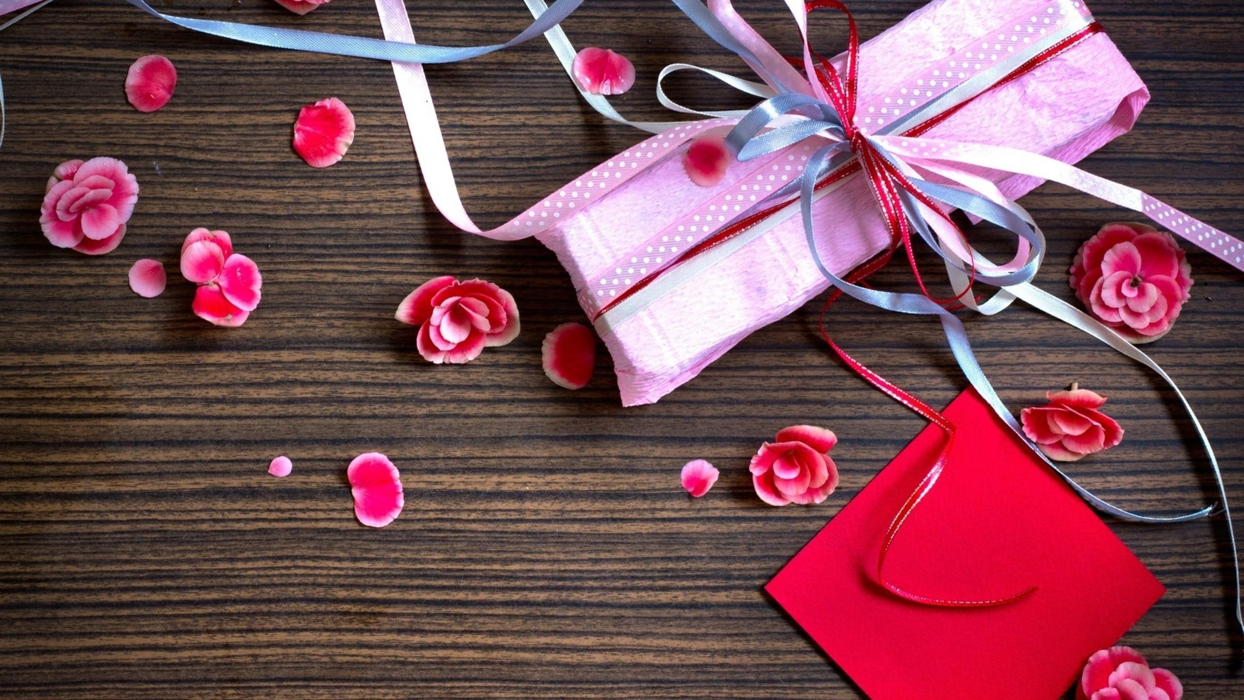 Fond Décran Fleurs Cœur Rouge La Saint Valentin Ruban