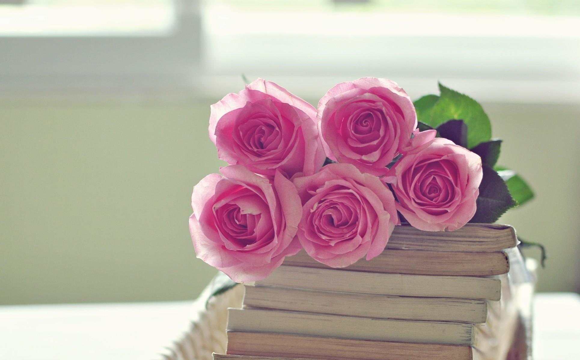 Книги и цветы открытки, крассивые