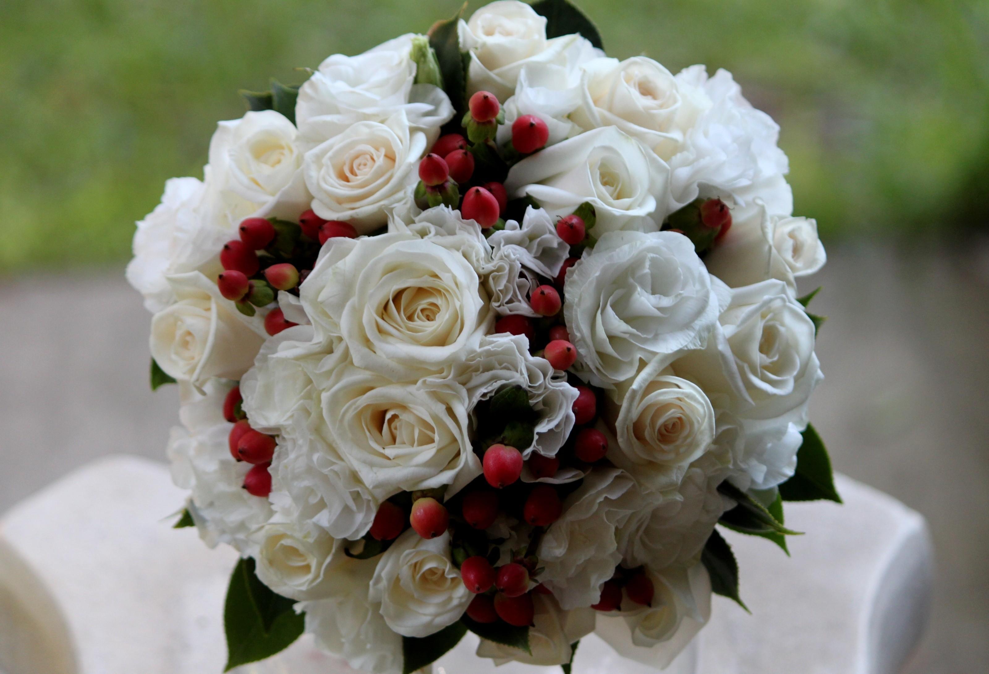 Красивые фото букетов цветов роз