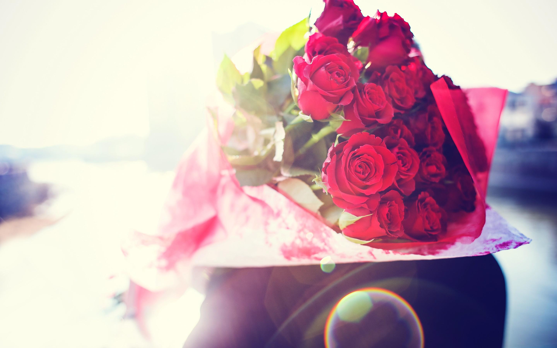 Обои на рабочий стол с букетами роз