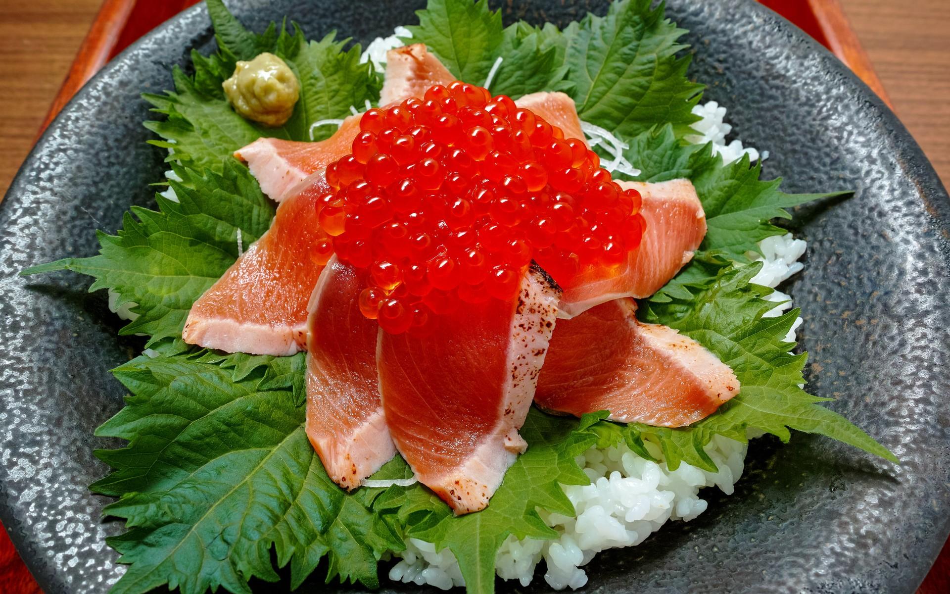 Салаты с рыбой, салаты с мясом, салаты с овощами, салаты с кальмарами и крабовыми палочками.