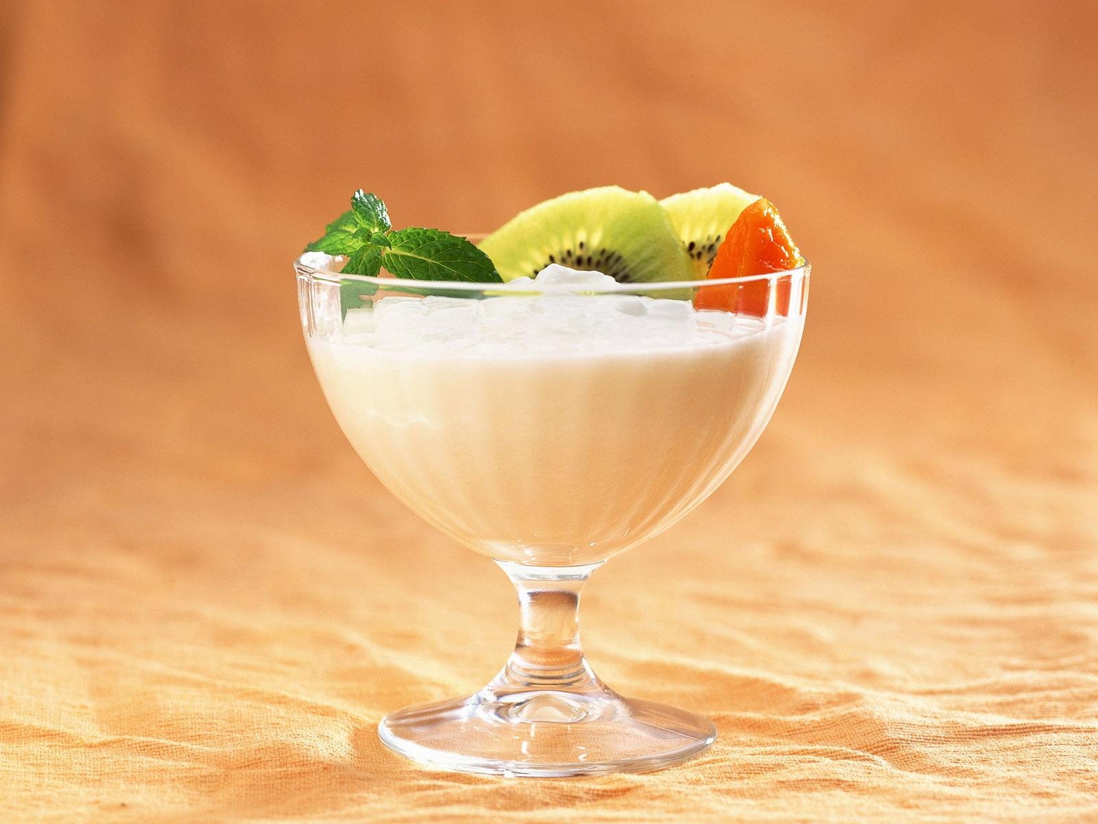 Как сделать коктейль из мороженого с киви