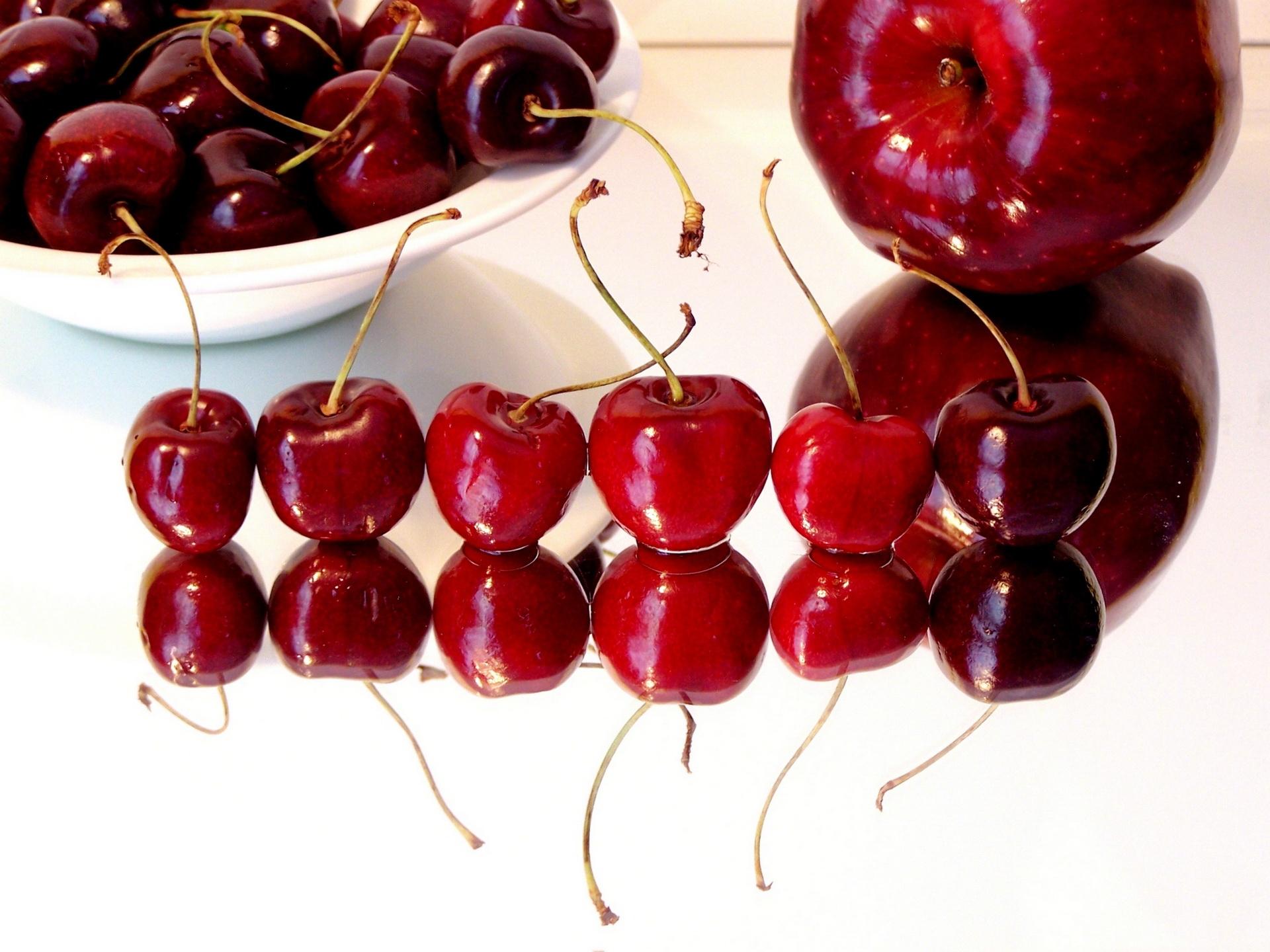 Hình nền : món ăn, Đỏ, Sự phản chiếu, bàn, trái cây, thực vật, quả mọng, quả anh đào, Sản xuất, Nhà máy đất, thực vật có hoa, Gia đình tăng, ...