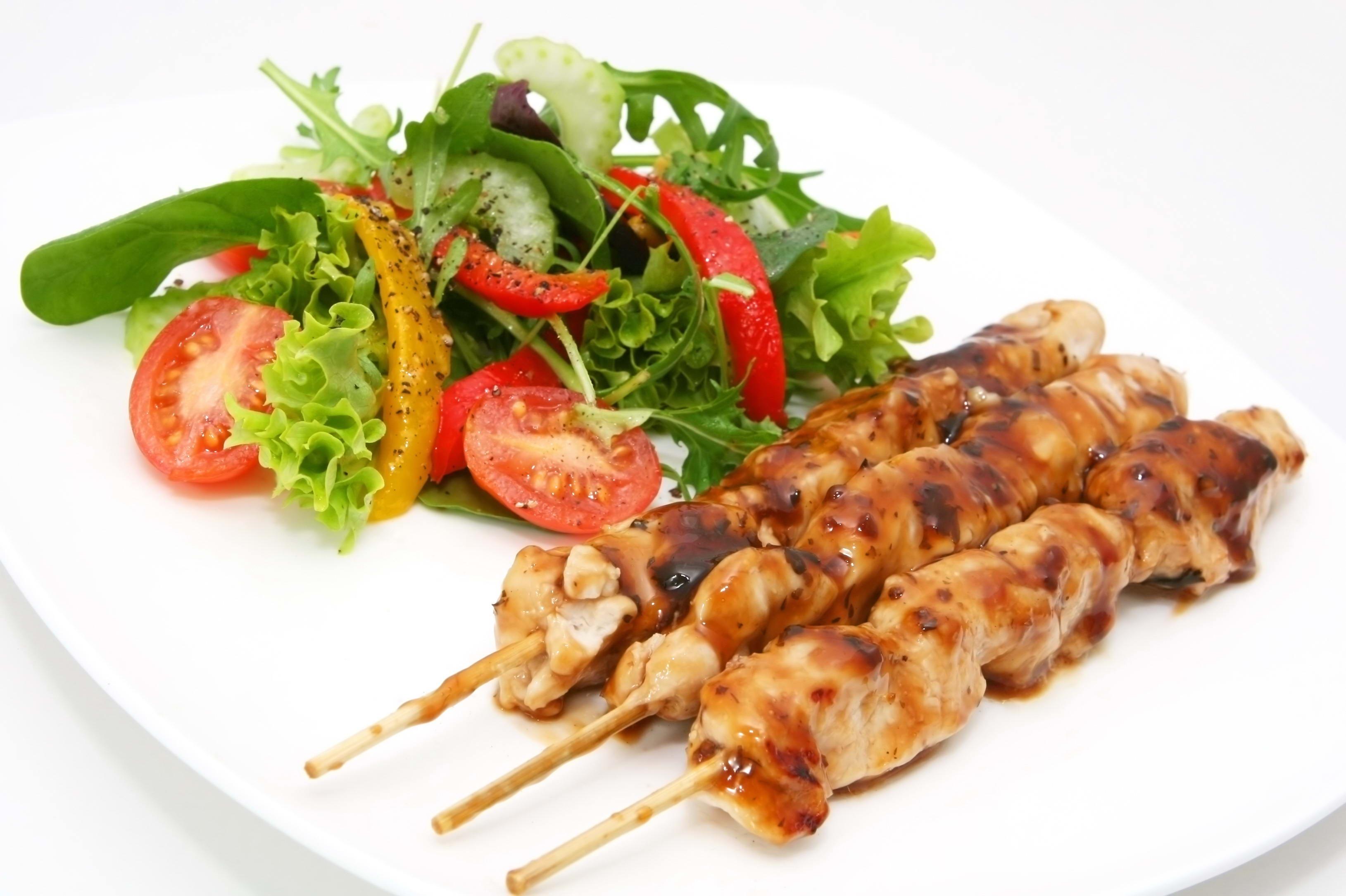 Fond d 39 cran aliments fond blanc moi vert assiette for Fond blanc cuisine