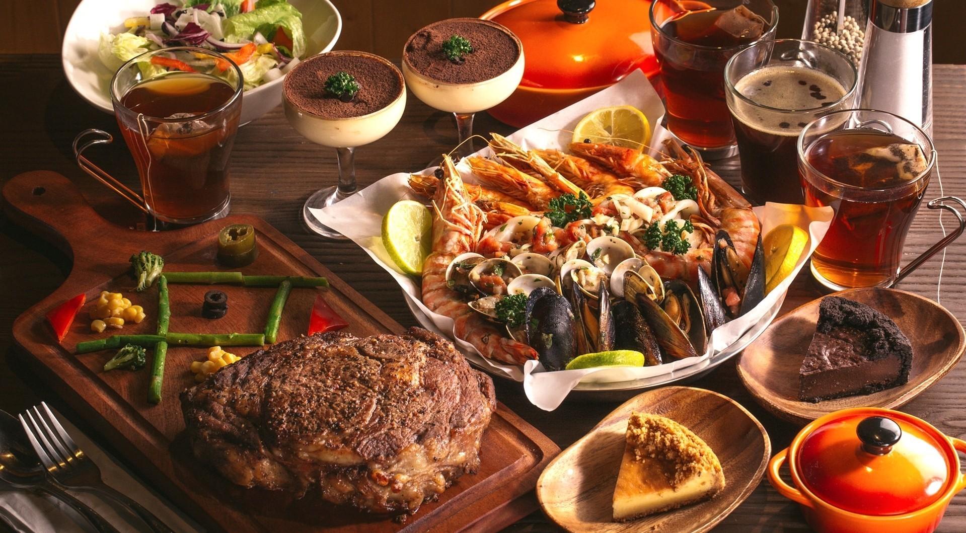 Restaurant Weihnachtsessen.Hintergrundbilder Lebensmittel Wein Restaurant Steak Dessert