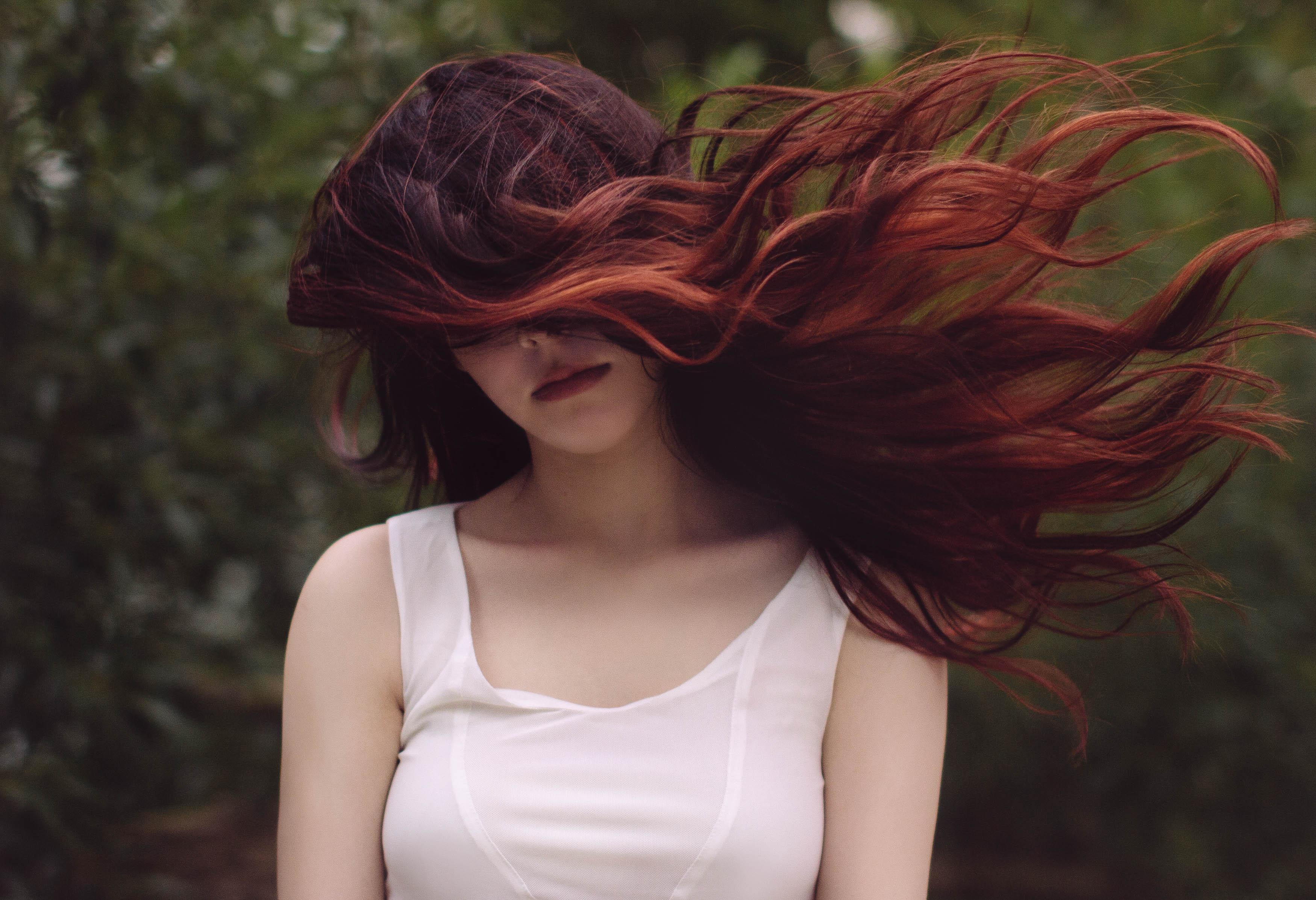 тут фотосессия волосы на ветру если