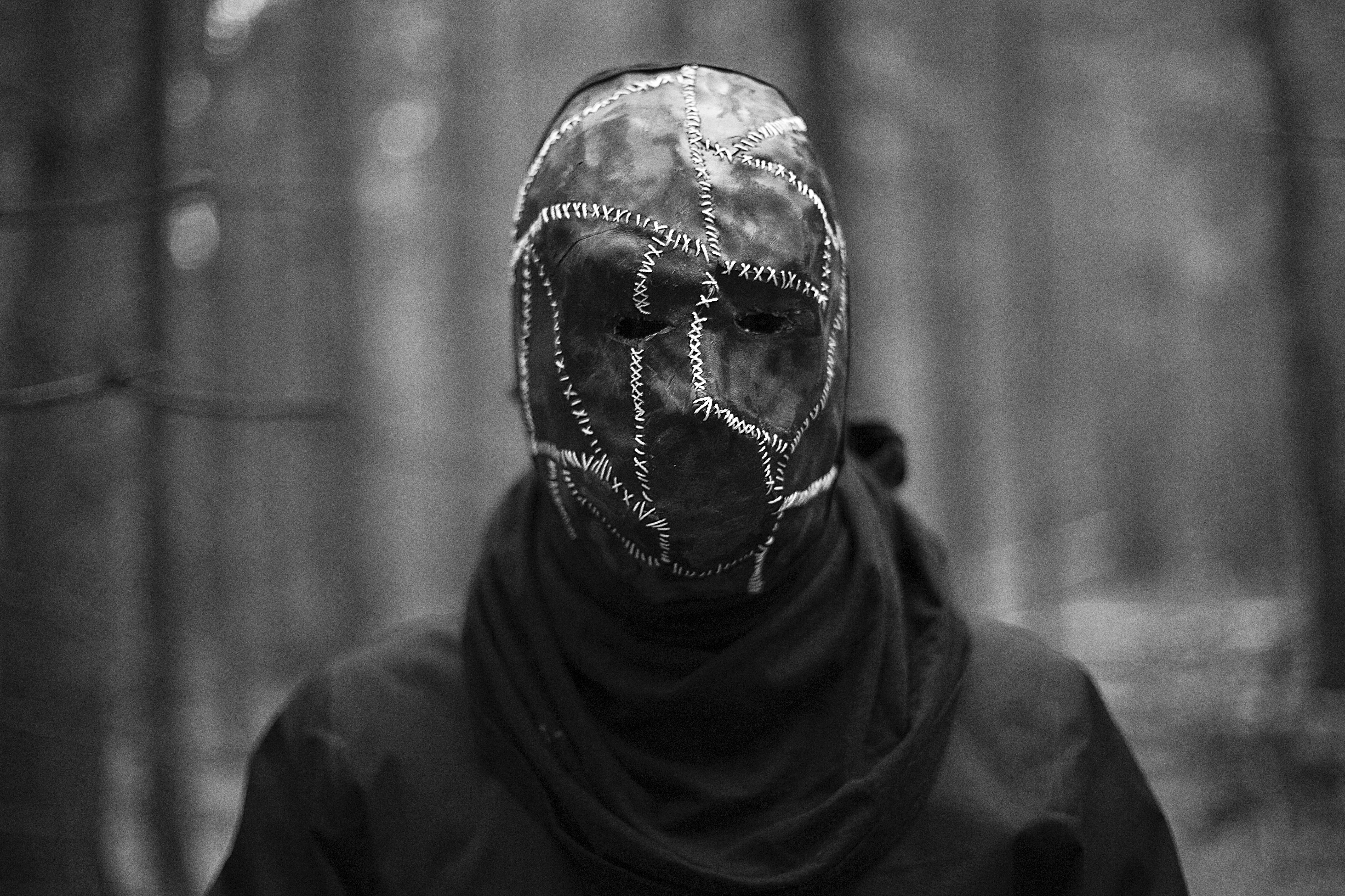 парень в маске картинки ритуалов вуду является