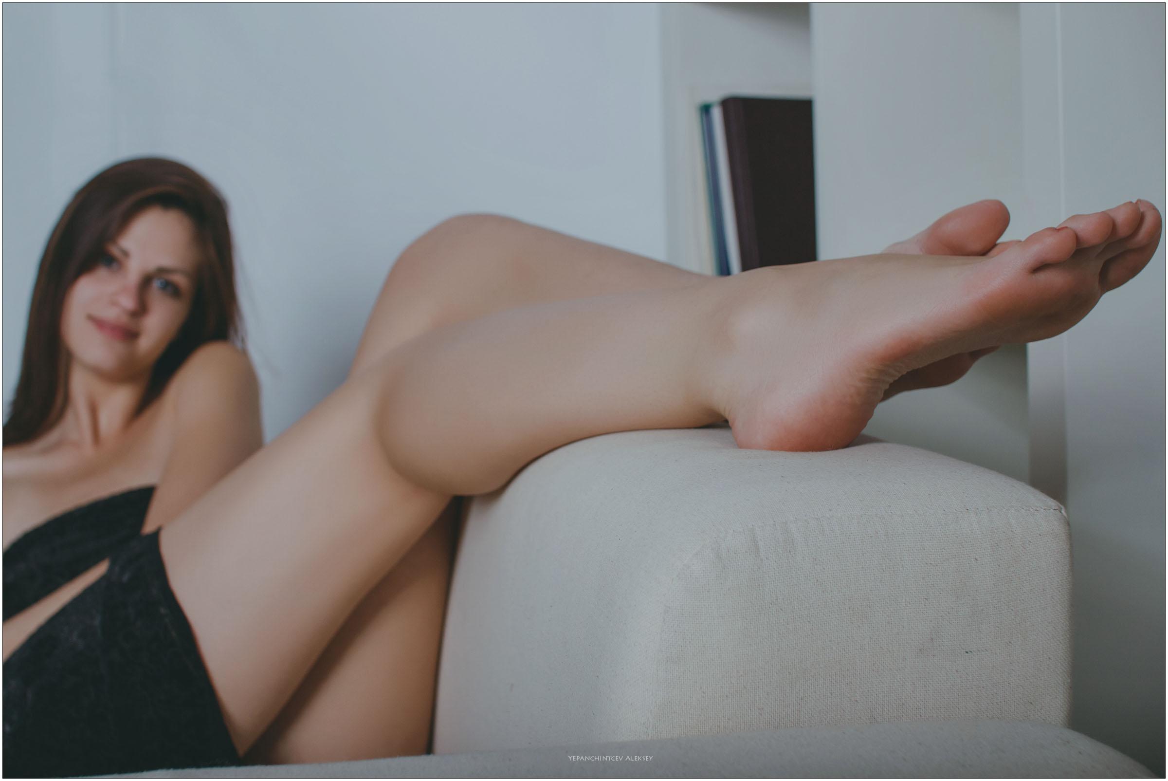 girls footfetish