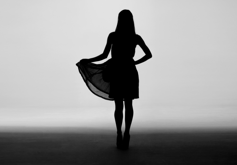 Wallpaper : girl, silhouette, dress, bw 5352x3728 ...