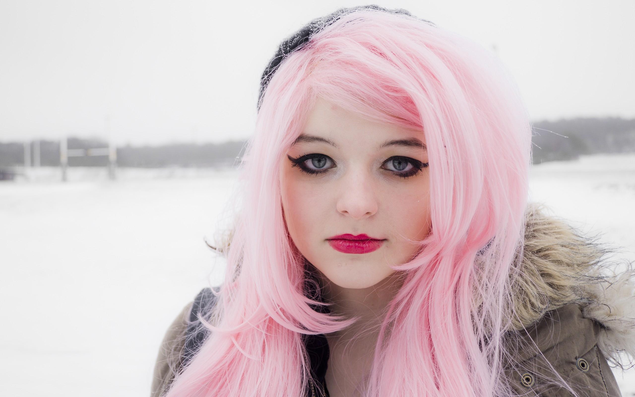 С розовыми волосами картинки комплектовал