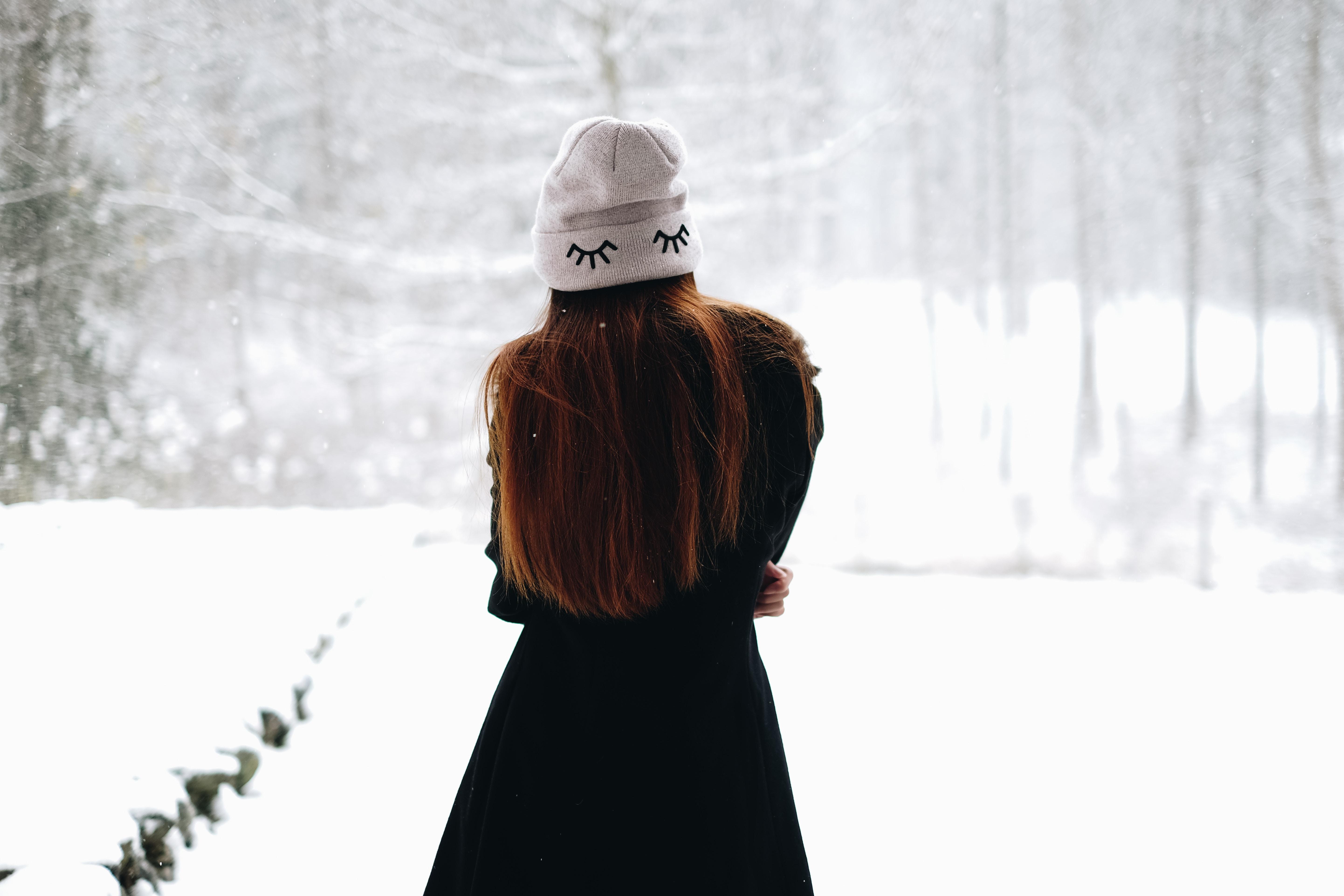 Картинка девочки зимой на аву