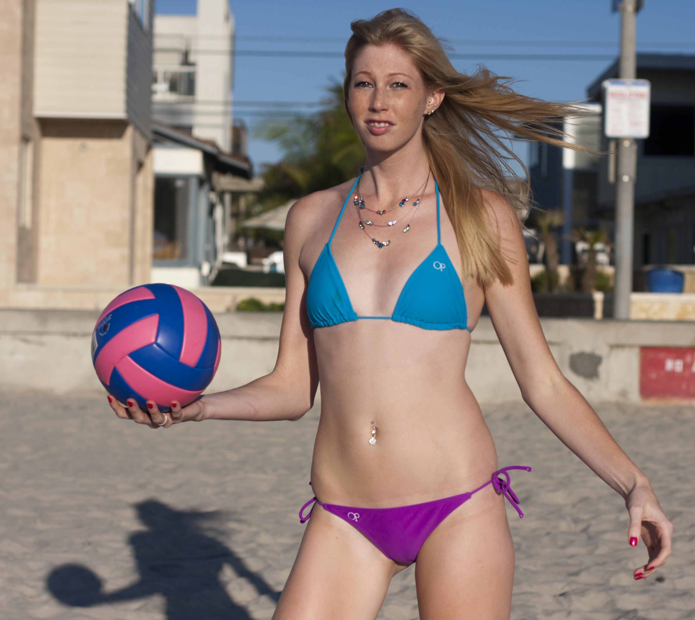 Волейбол бикини