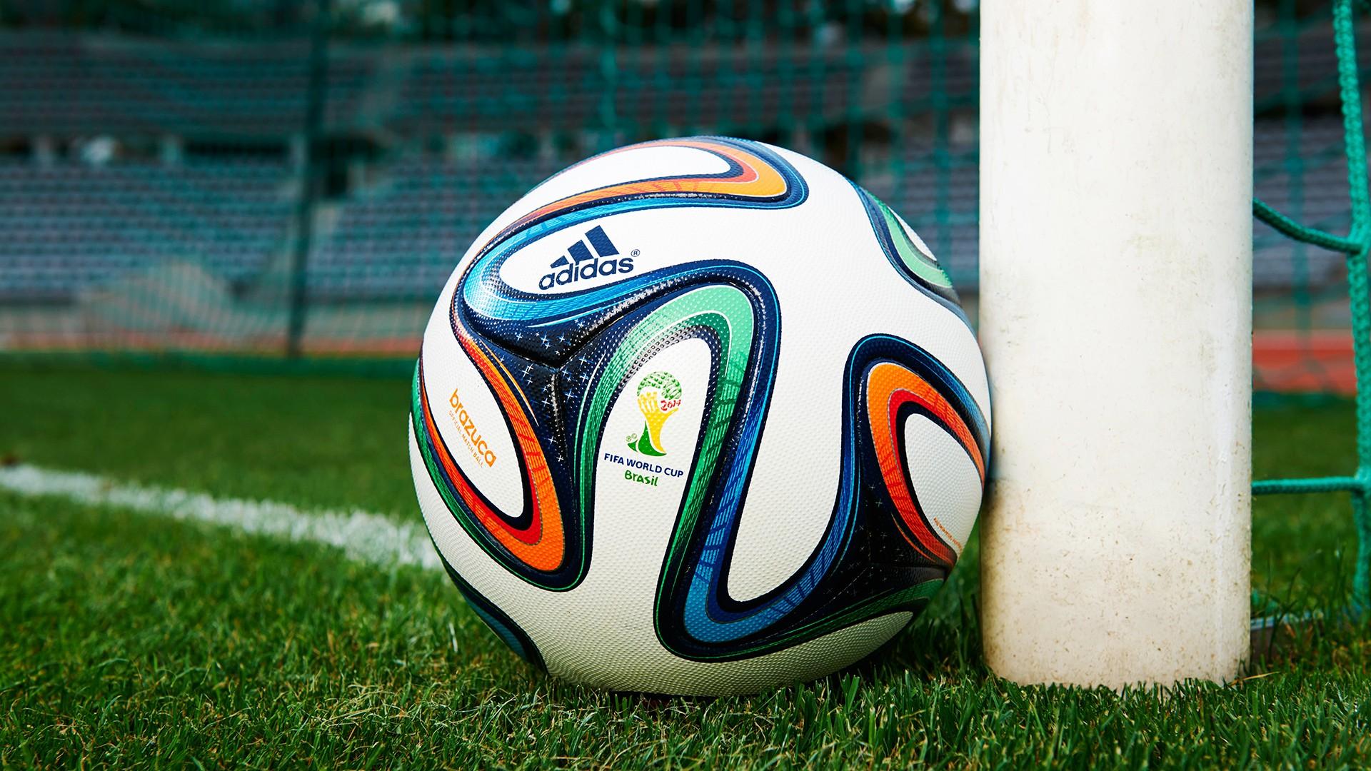 Фото футбольный мячей на аву