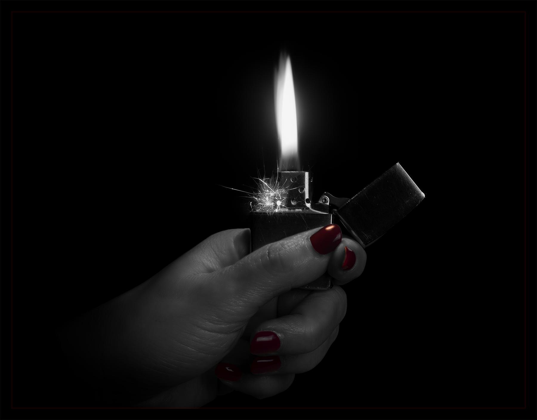 Hand Nails Polish Fire Lighter Zippo Flame Canon5dmkiv
