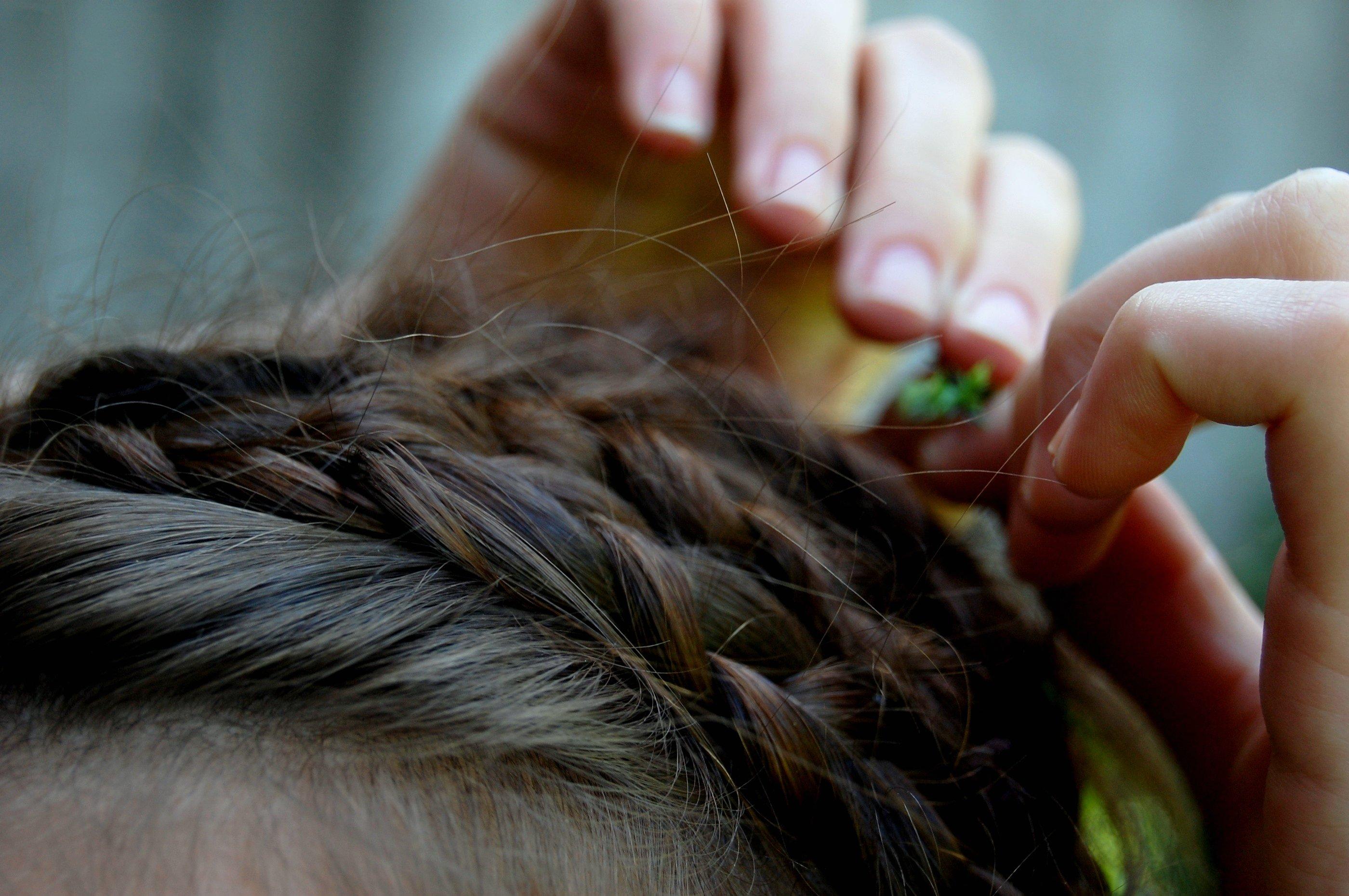 Hintergrundbilder Hände Lange Haare Zöpfe Haar Kopf Mädchen