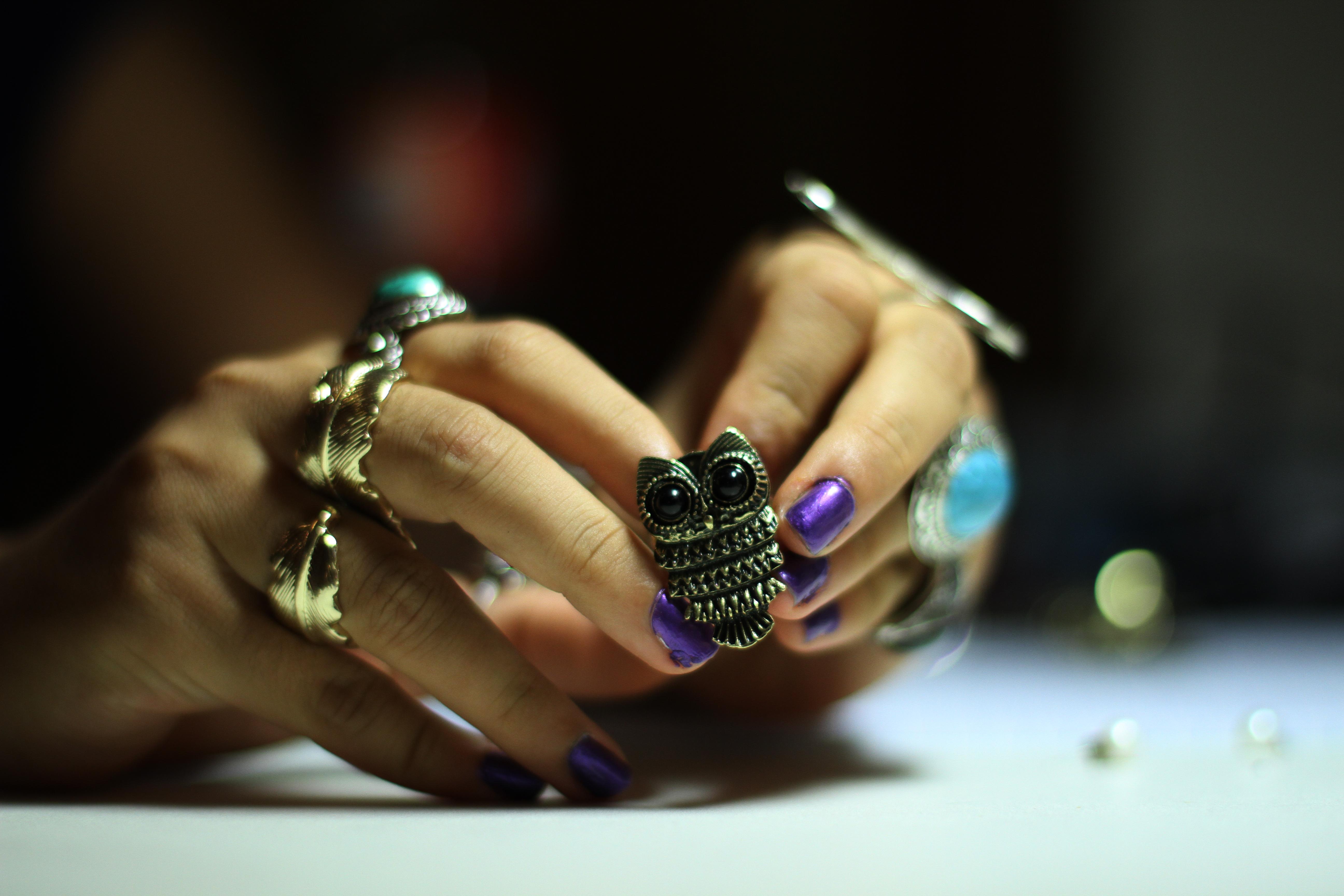 Wallpaper : hands, rings, owl, TV, Polish, nails, Friends, cool ...