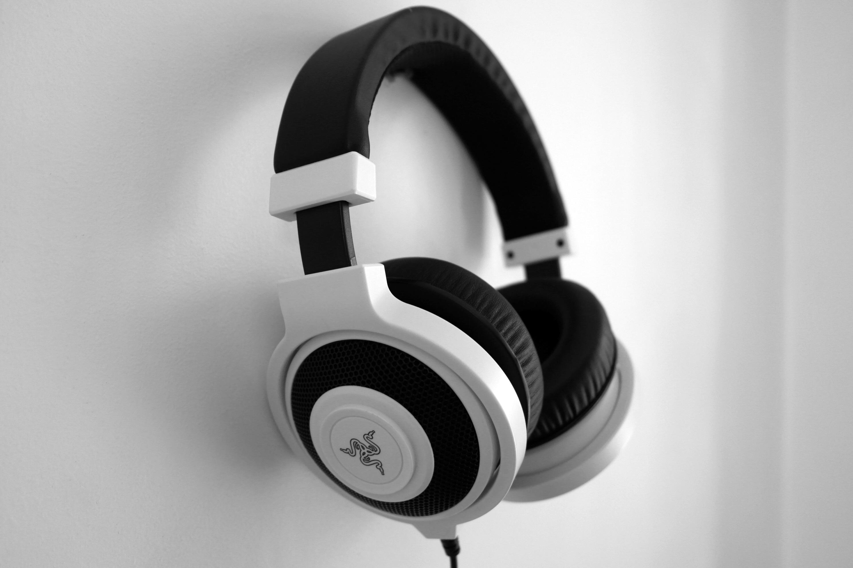 headphones music video - HD1200×800