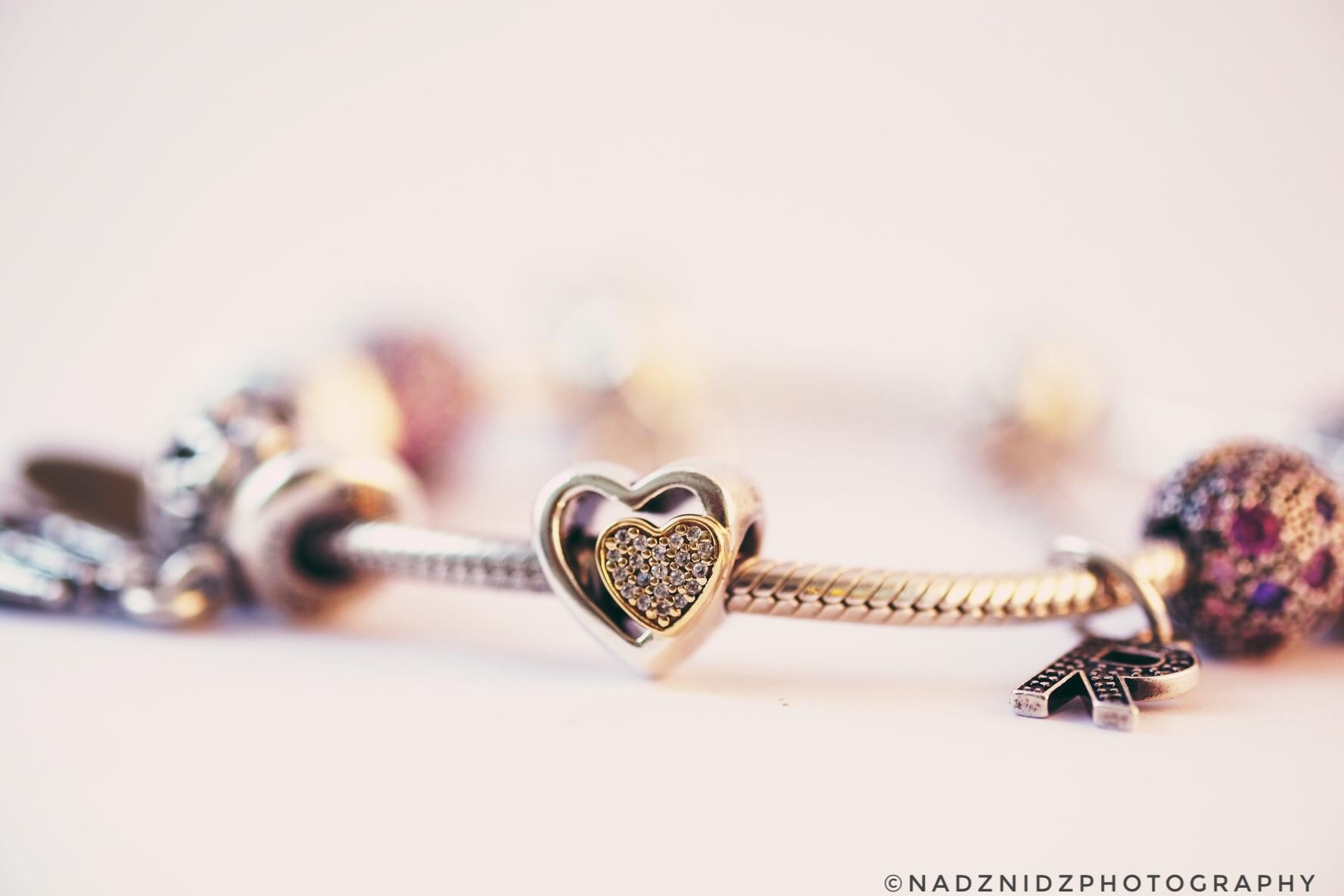 fond d 39 cran c ur collier gemmes pandora dof la saint valentin nature morte bracelet. Black Bedroom Furniture Sets. Home Design Ideas