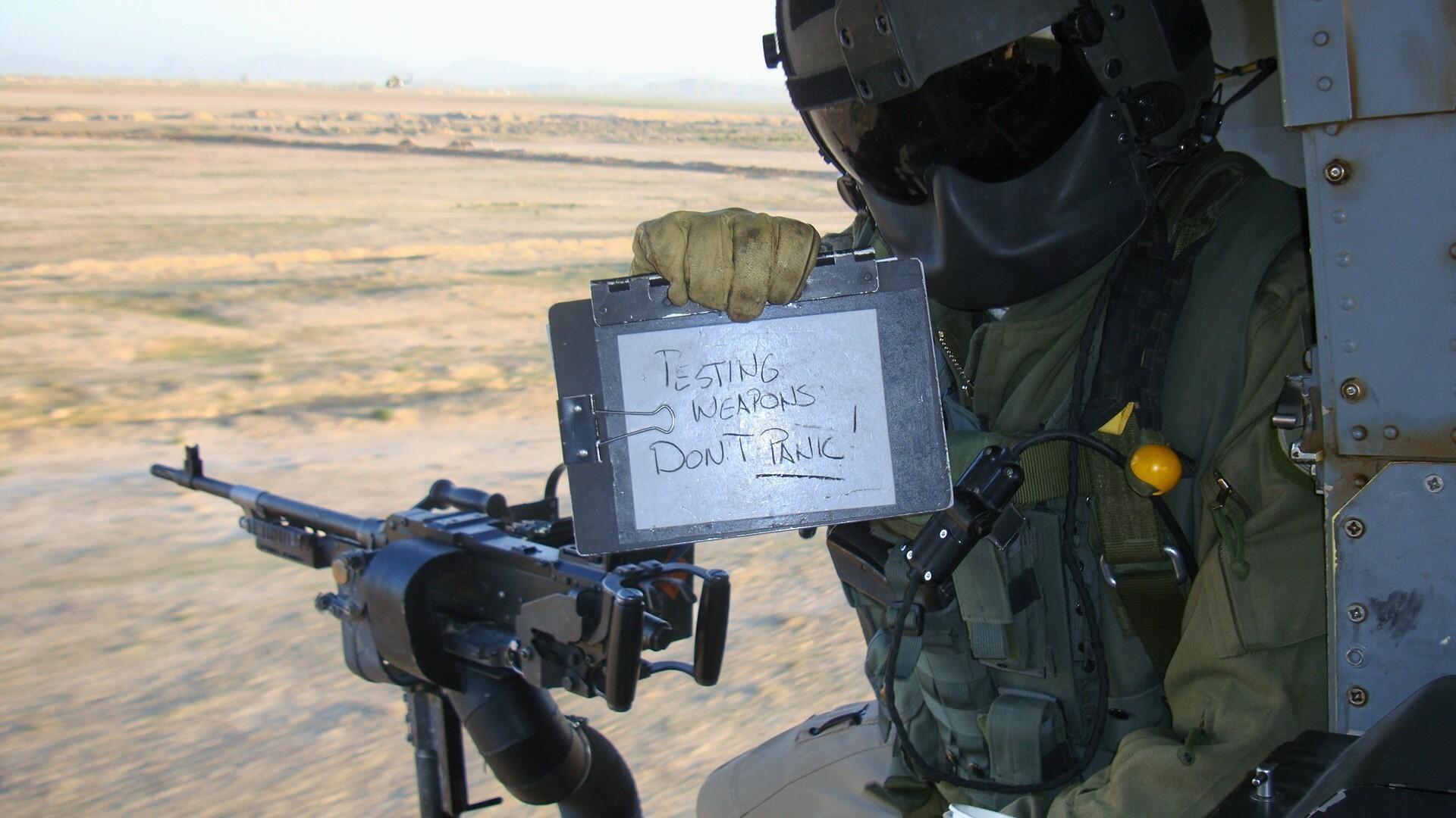Recce Squad Hd Wallpapers: Fond D'écran : Humour, Soldat, Hélicoptères, Armée, Buteur