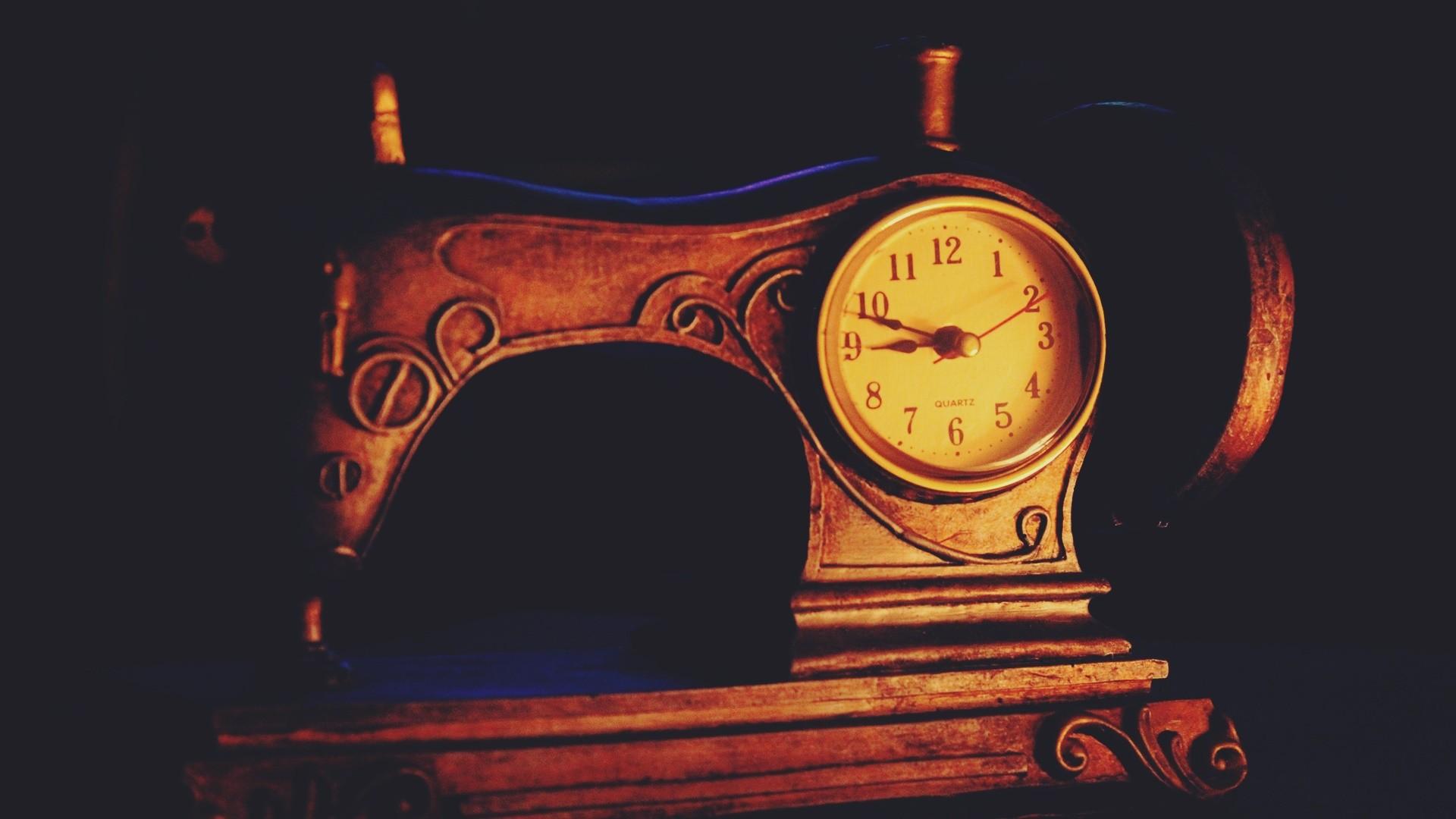 Illustration Old Night Cartoon Clocks Retro Style Vintage Antiques ART Font