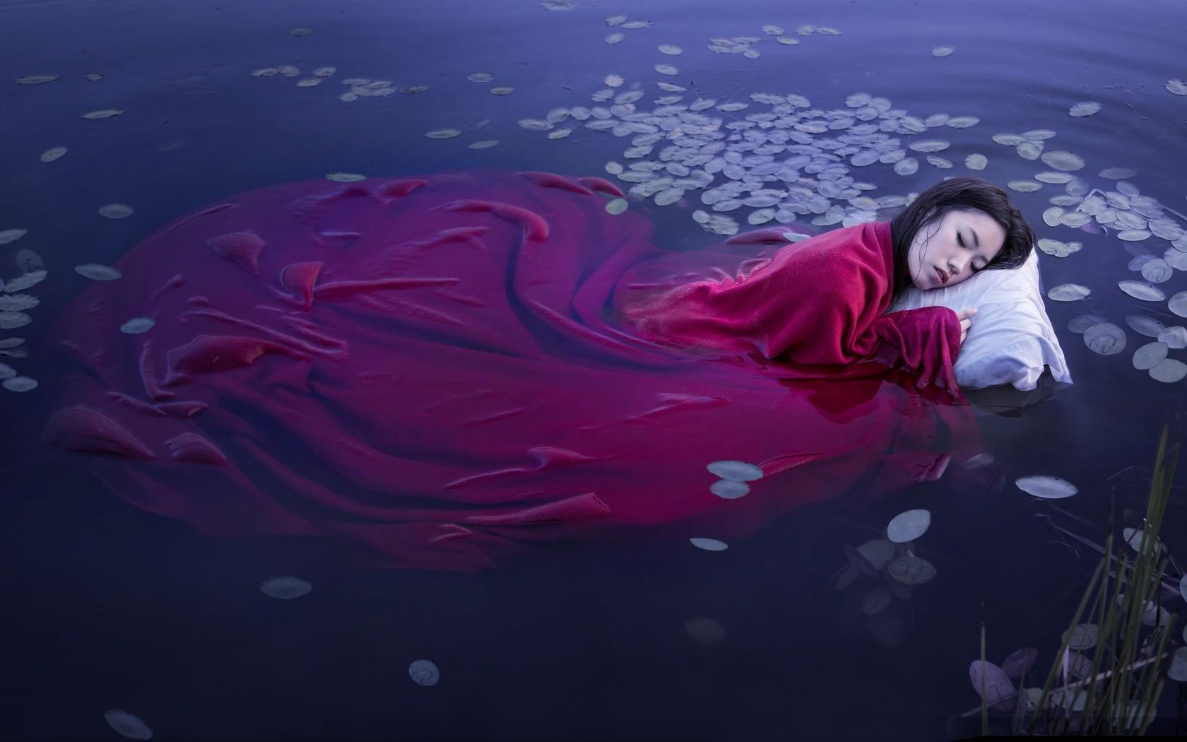 Невероятные фото пятен чернил под водой.
