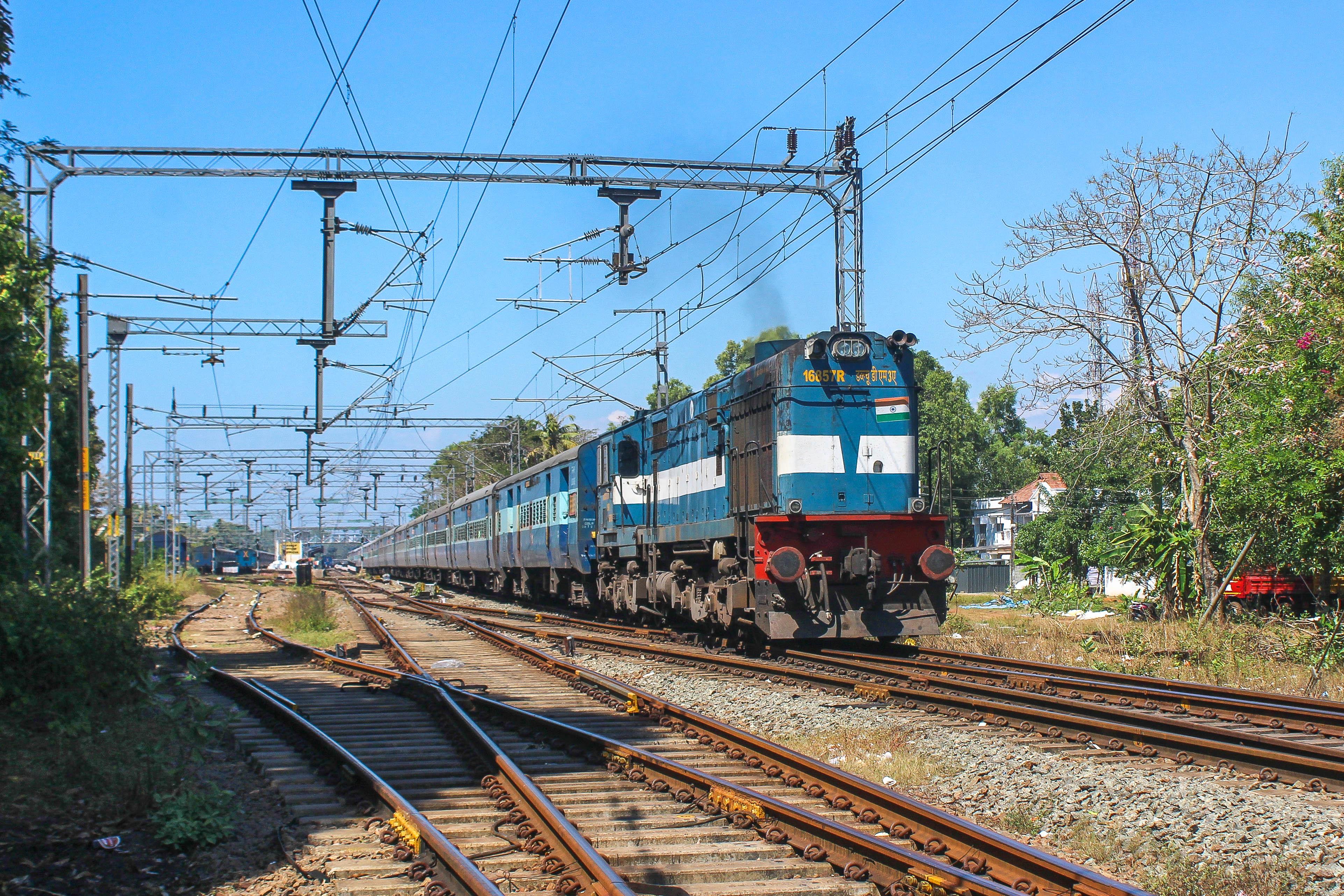 Wallpaper : indianrailways, rail, railroad, station, wdm3a
