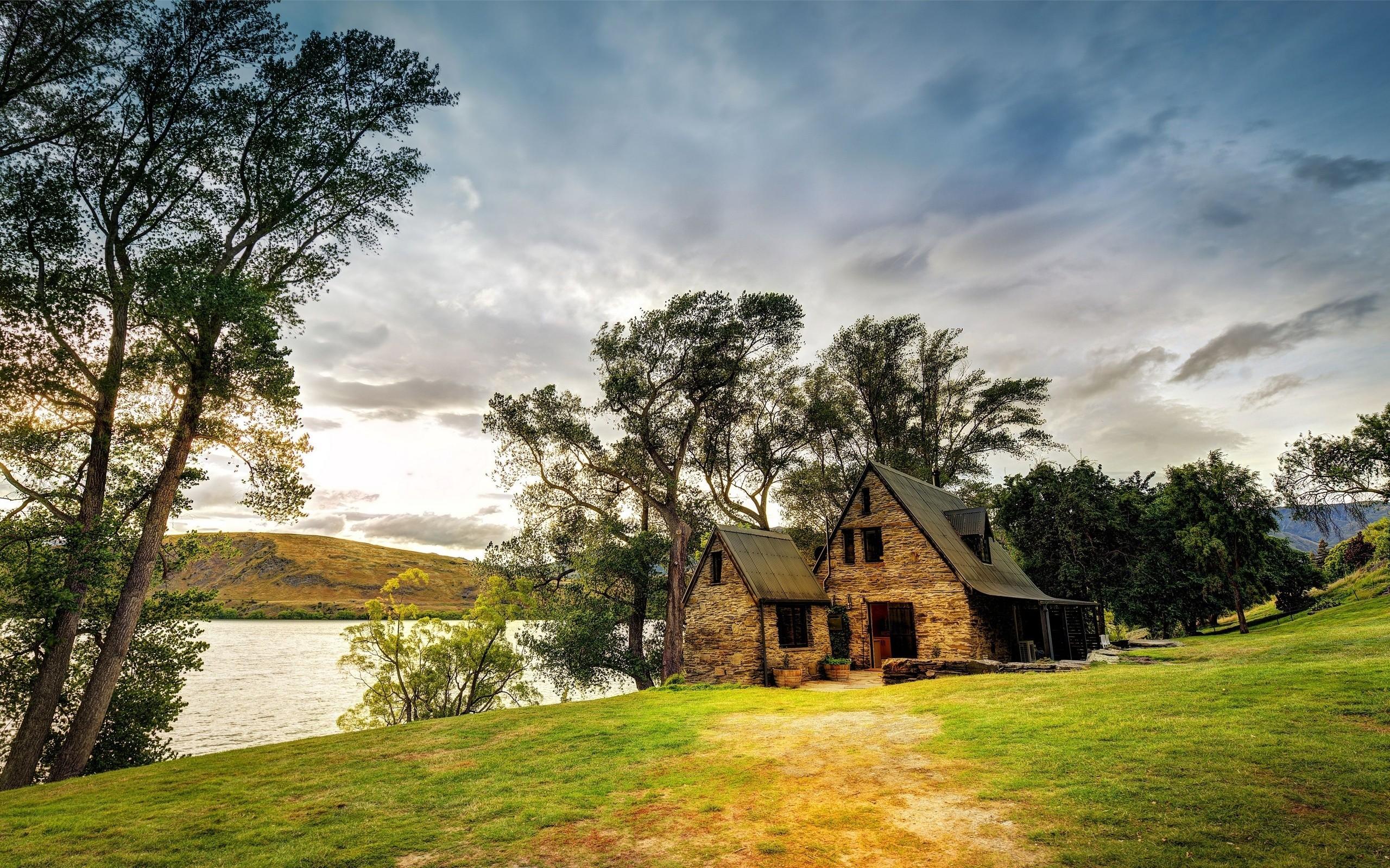 картинки домика в деревне на заднем плане можно жать
