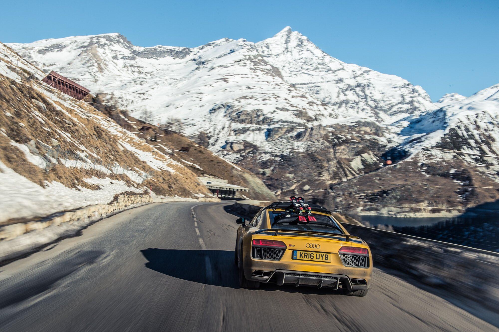 Машины в горах фото
