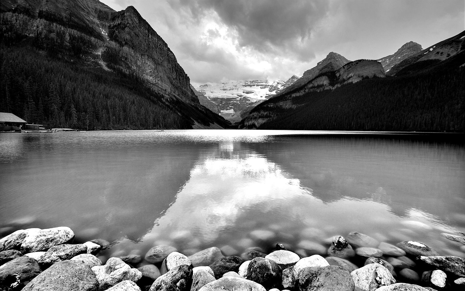 одной красивые черно белые пейзажи картинки втором