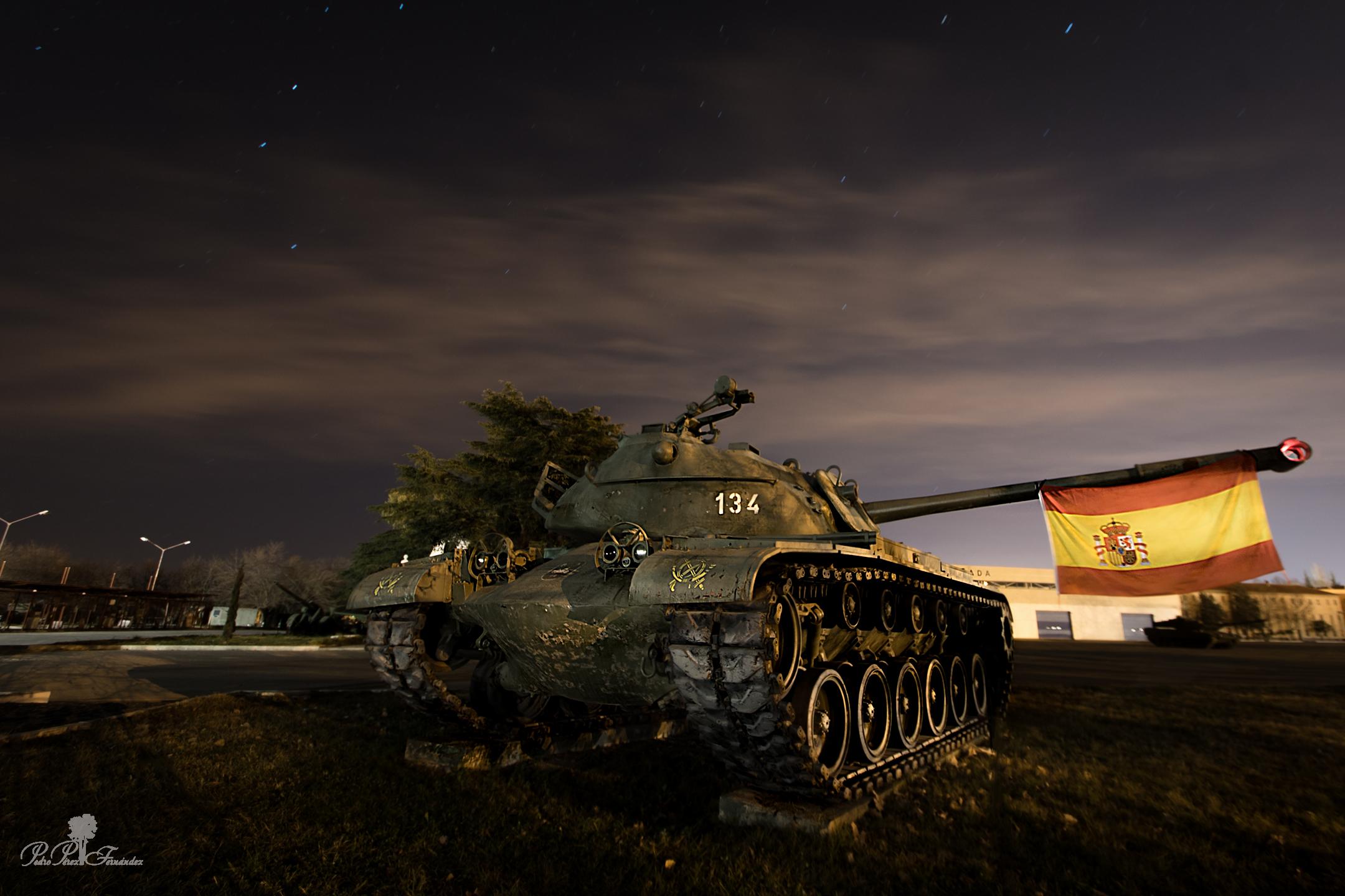 Masaustu Manzara Boyama Gece Gokyuzu Arac Silah Tank