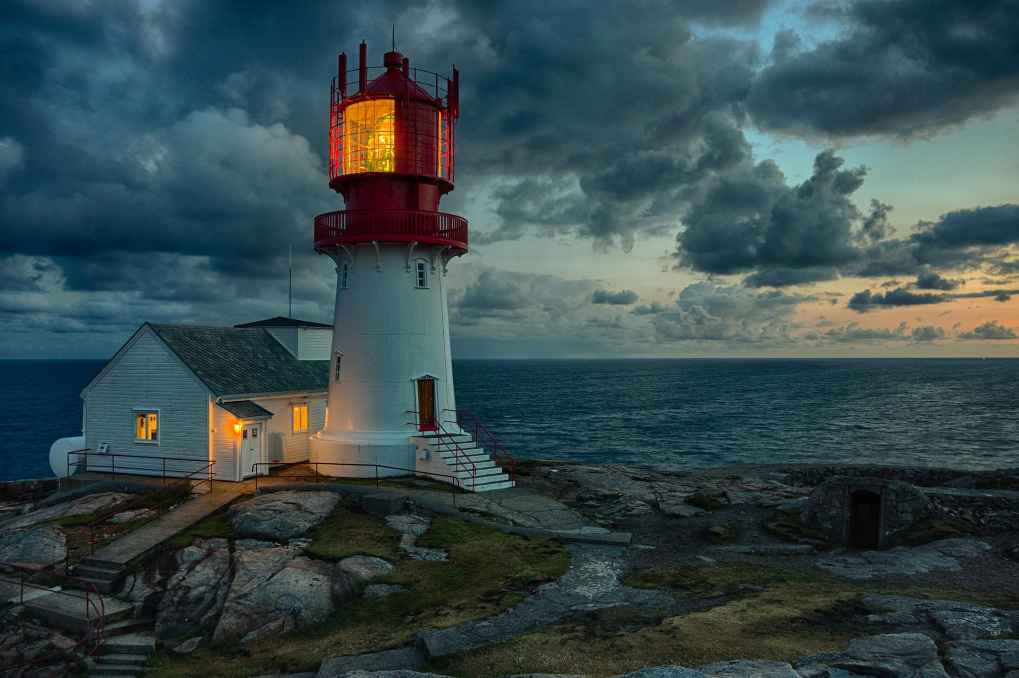 редко маяк в океане фото окрестностях