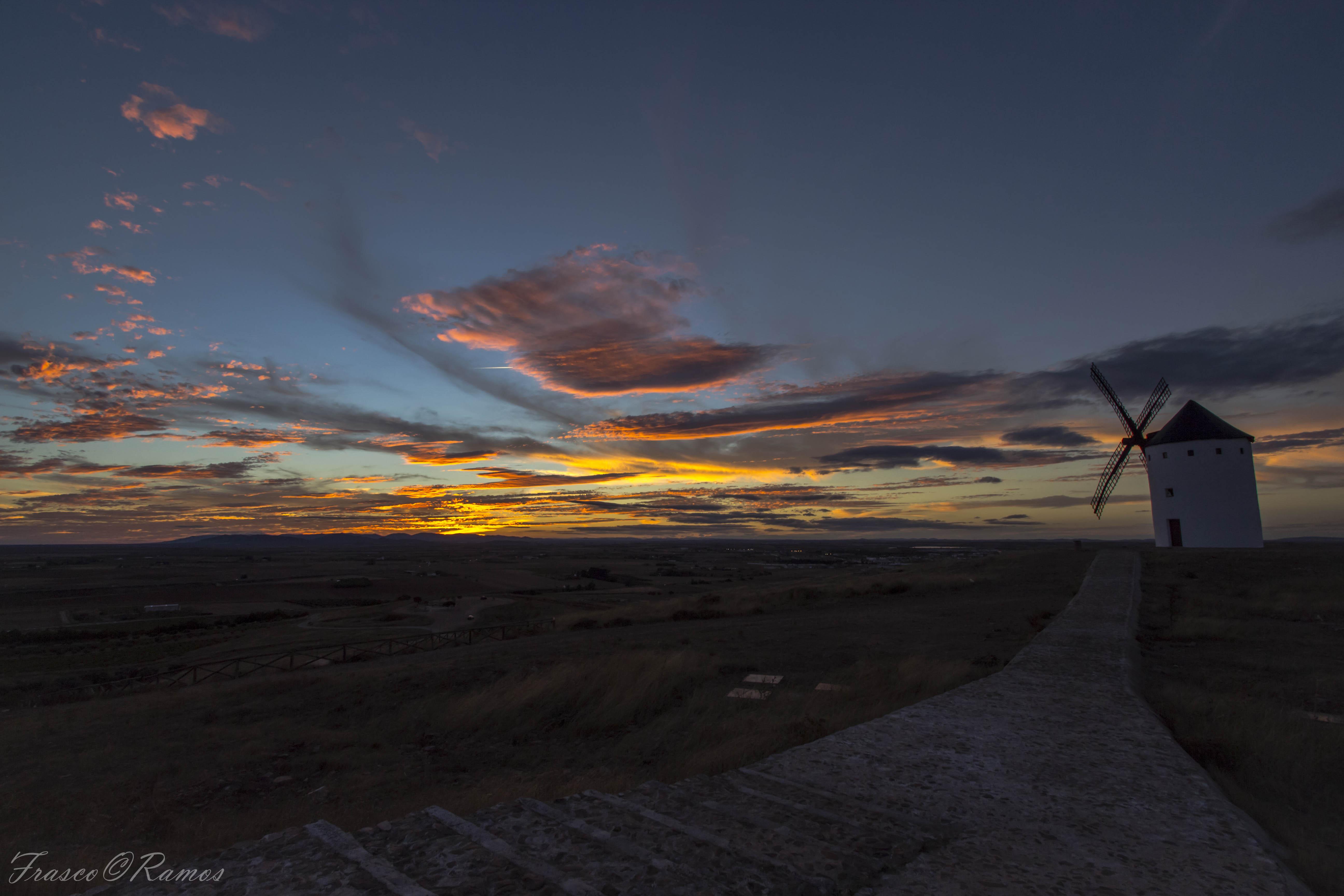 デスクトップ壁紙 風景 日没 丘 空 日の出 イブニング 朝