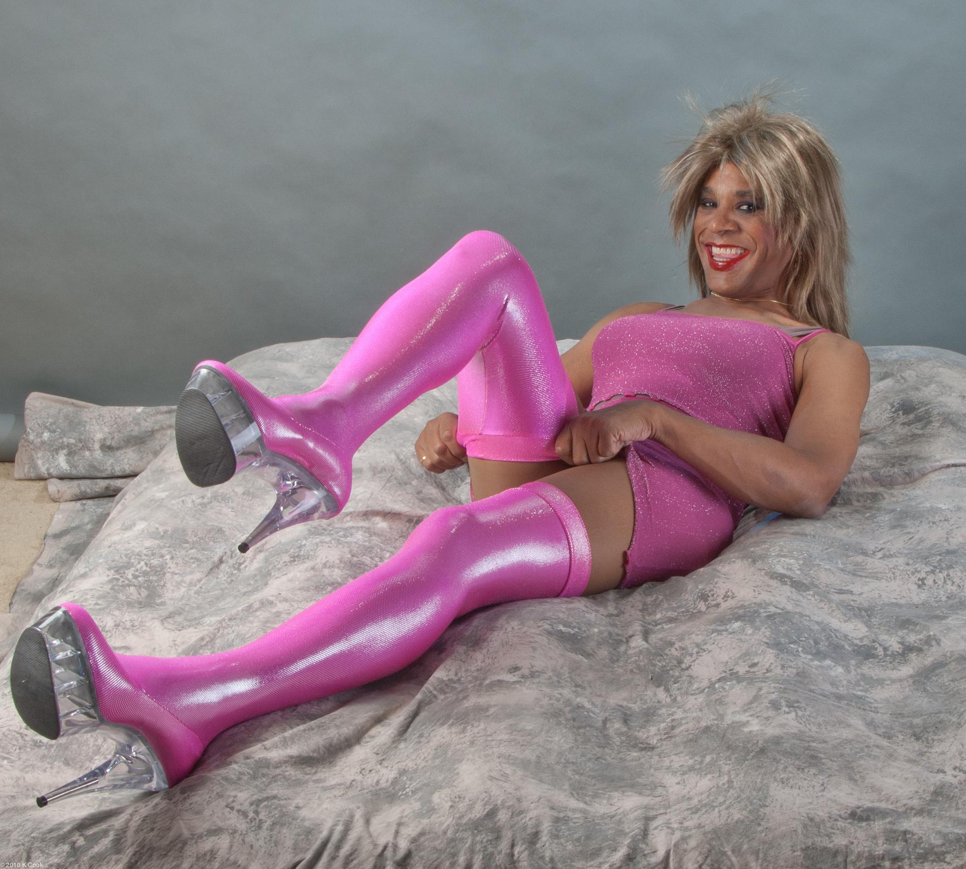 Thighboot fetish transvestites