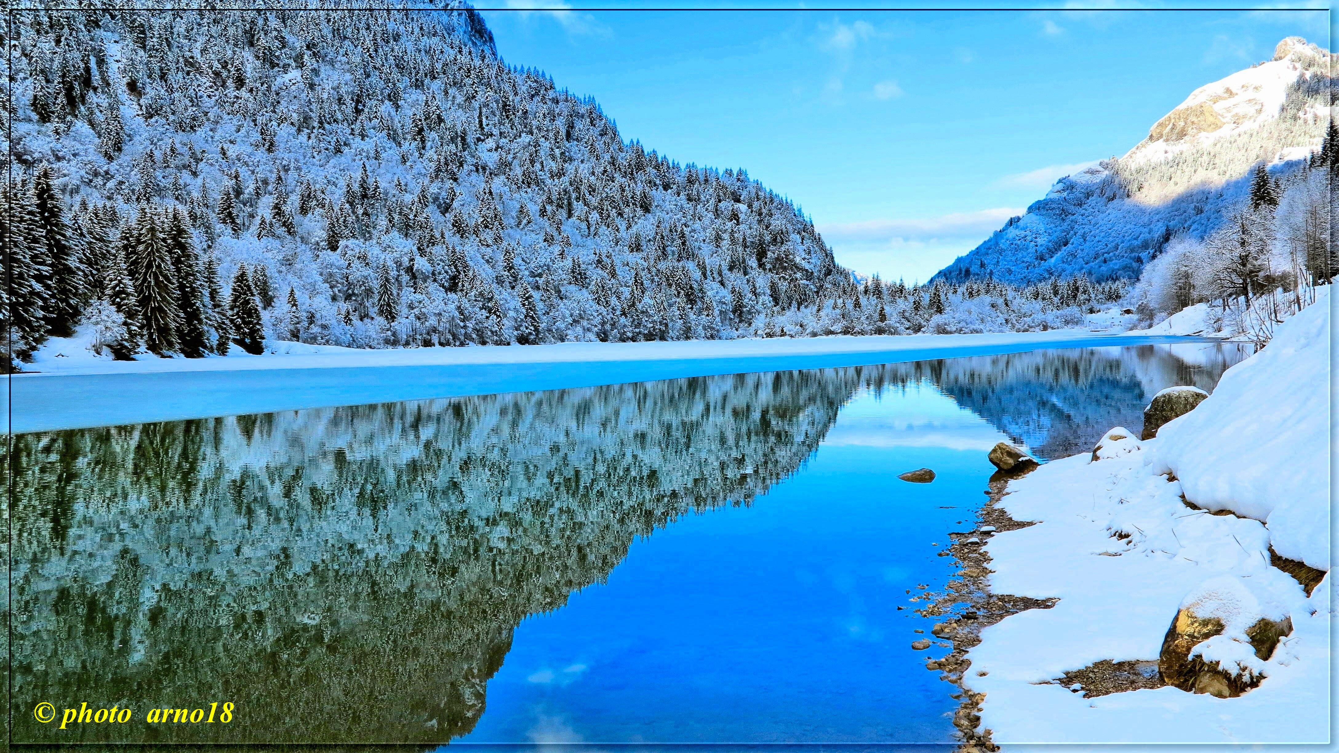 Fond d'écran : lumière, Lac, neige, la glace, eau, Montagne, Hiver, lac, Bleu, Alpin, Neige ...