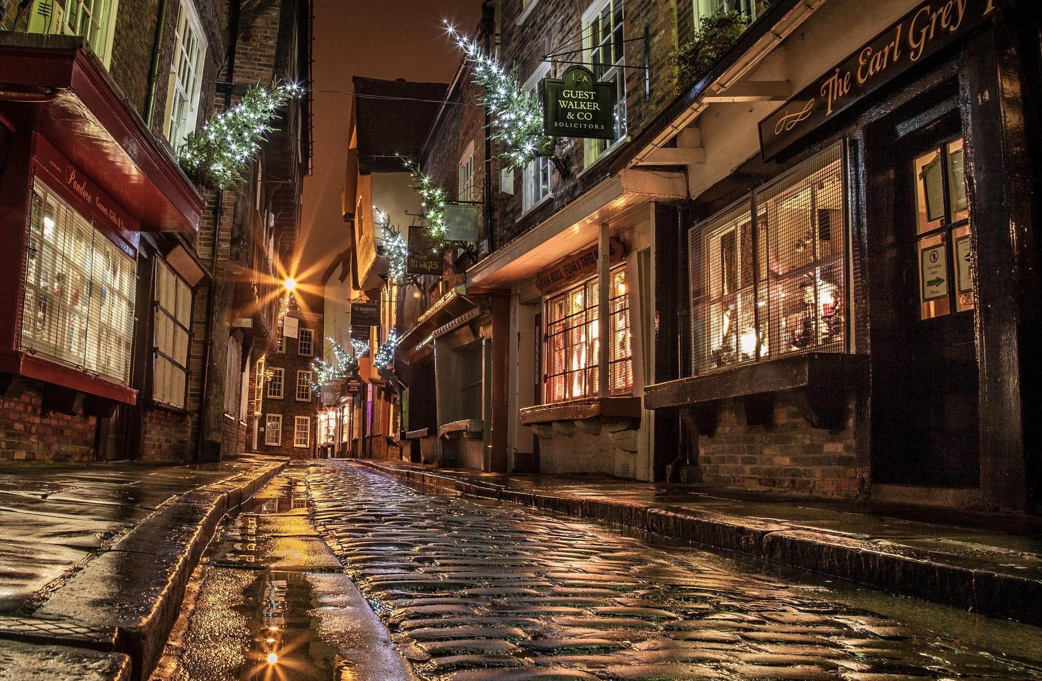 это лучше широкоформатное фото городских улиц этого бренда