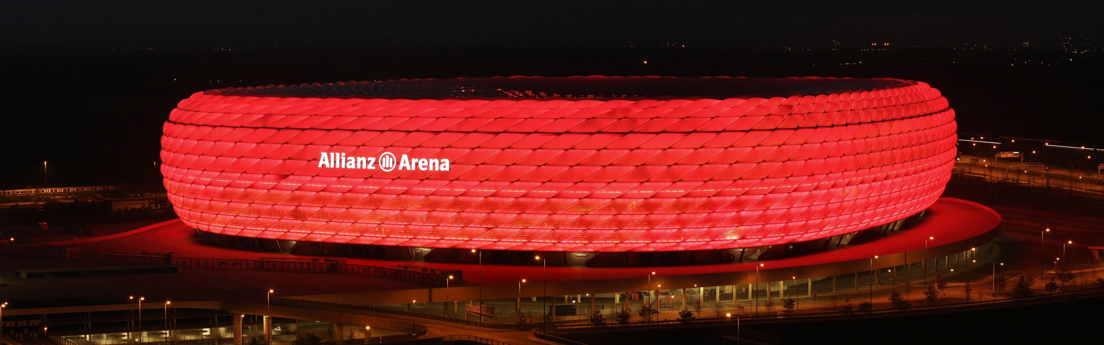 Hintergrundbilder : Beleuchtung, Nacht-, Doppelmonitoren, Fußball ...