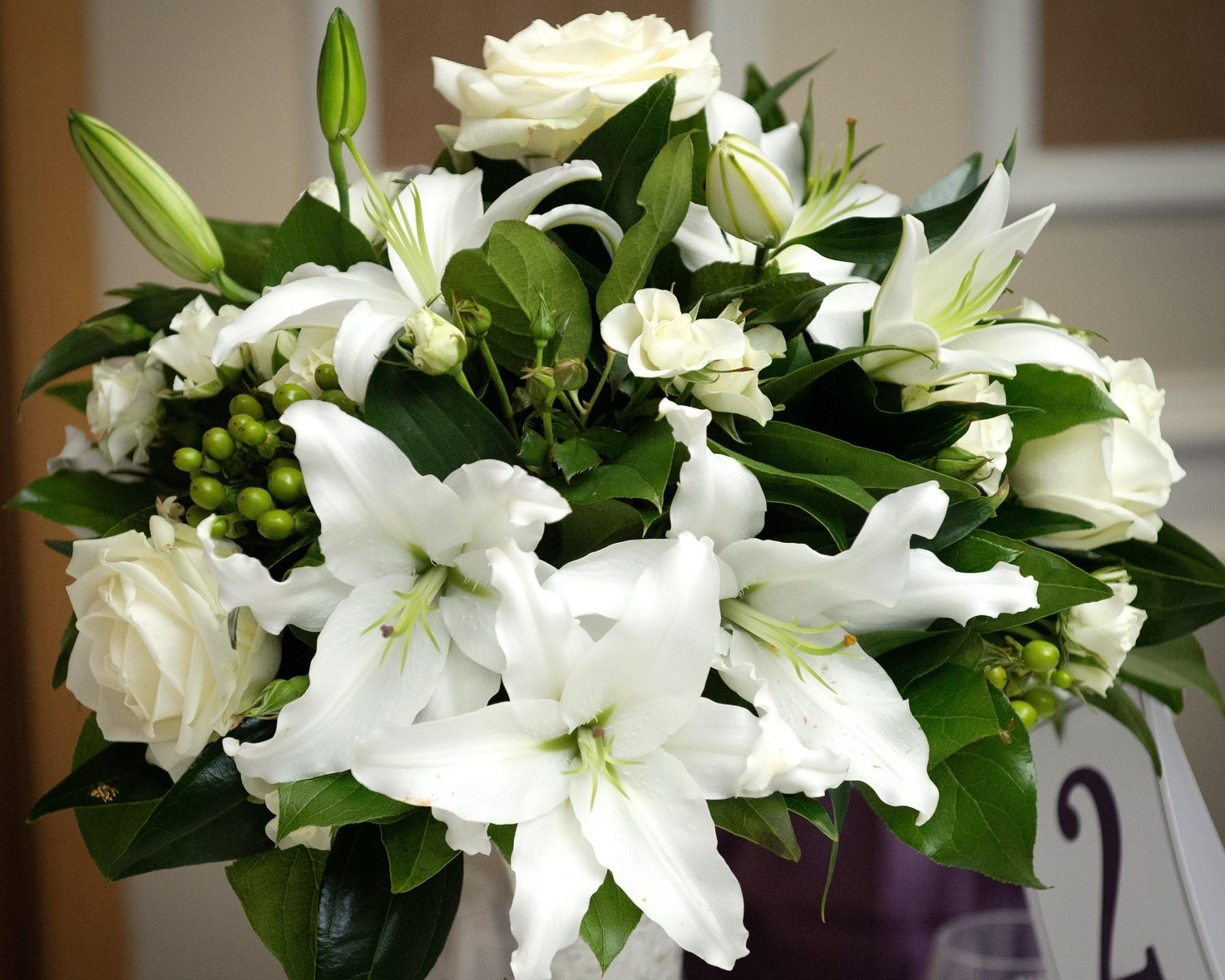 красивый букет цветов фото лилии вновь