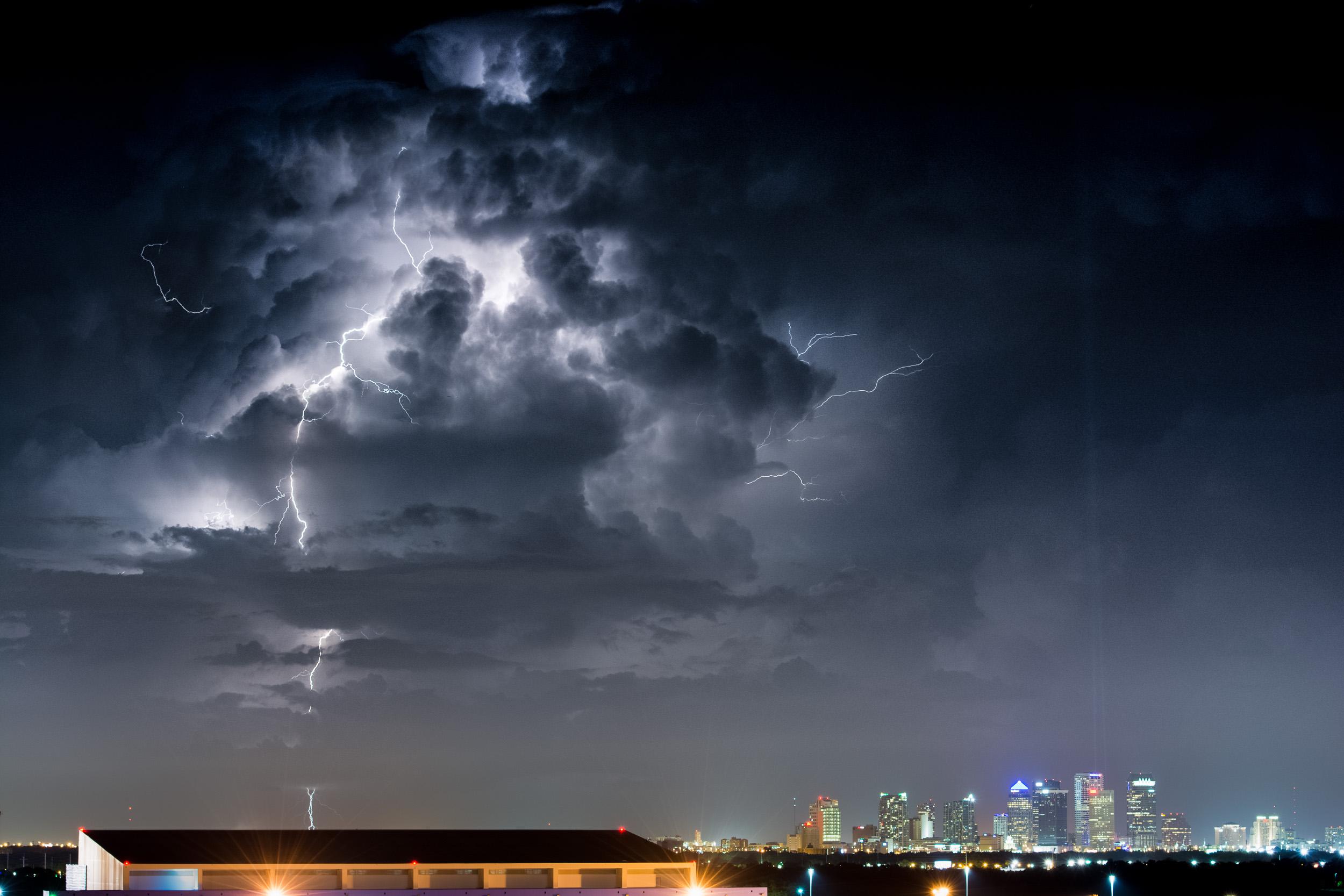 ракетный гром среди темного неба фото как моя